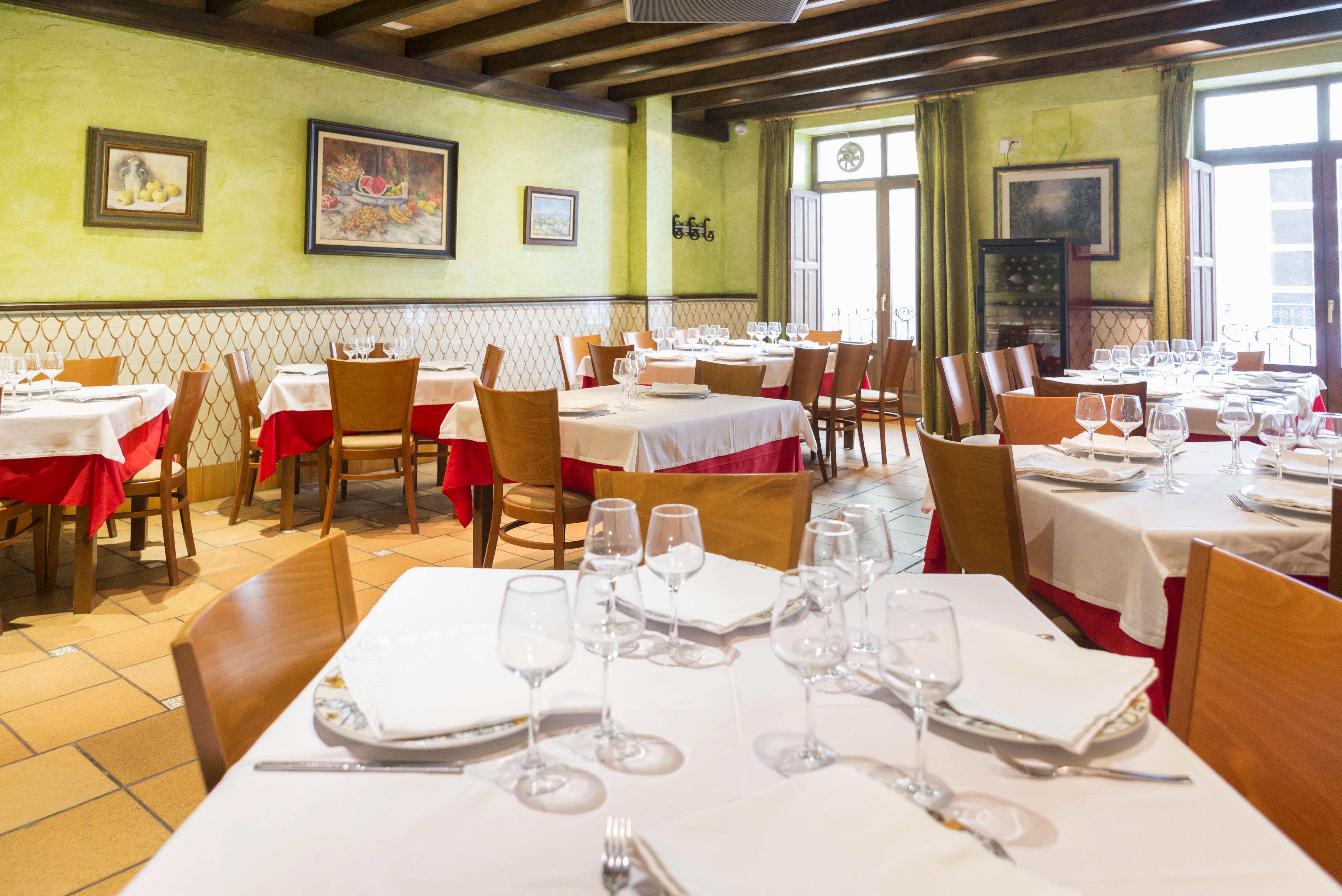 Foto 3 de Cocina mediterránea elaborada con ingredientes siempre frescos en Alicante | La Casona Alicantina
