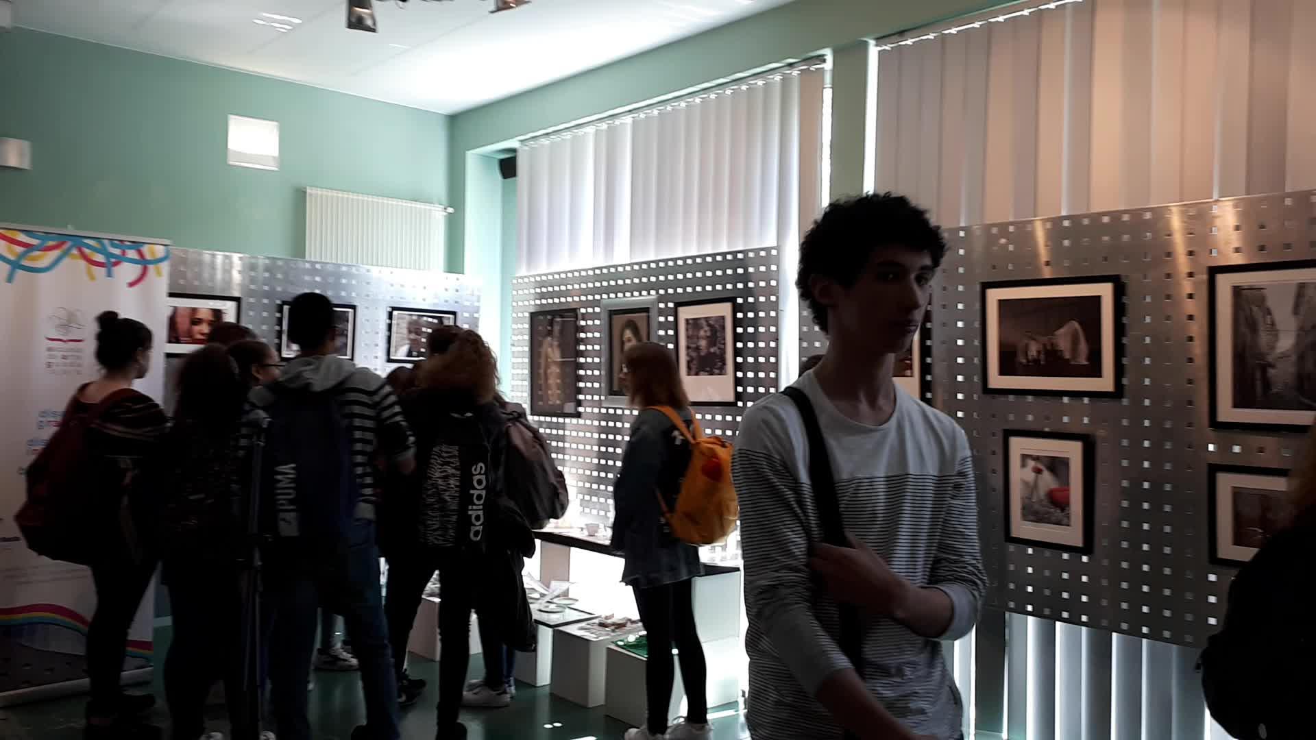 EXPOSICIÓN FIN DE CURSO 2017/18 }}