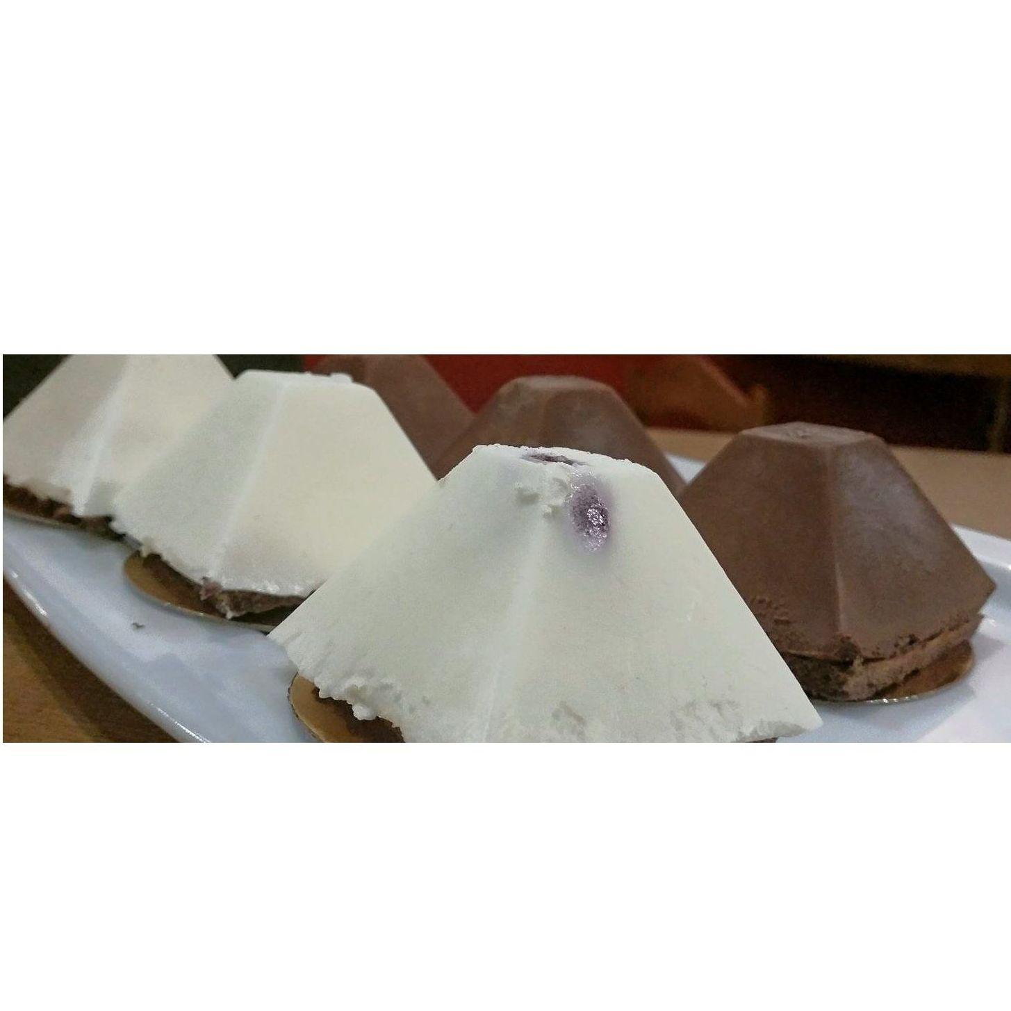 Pirámide de chocolate: Nuestros platos de La Tapería de Columela