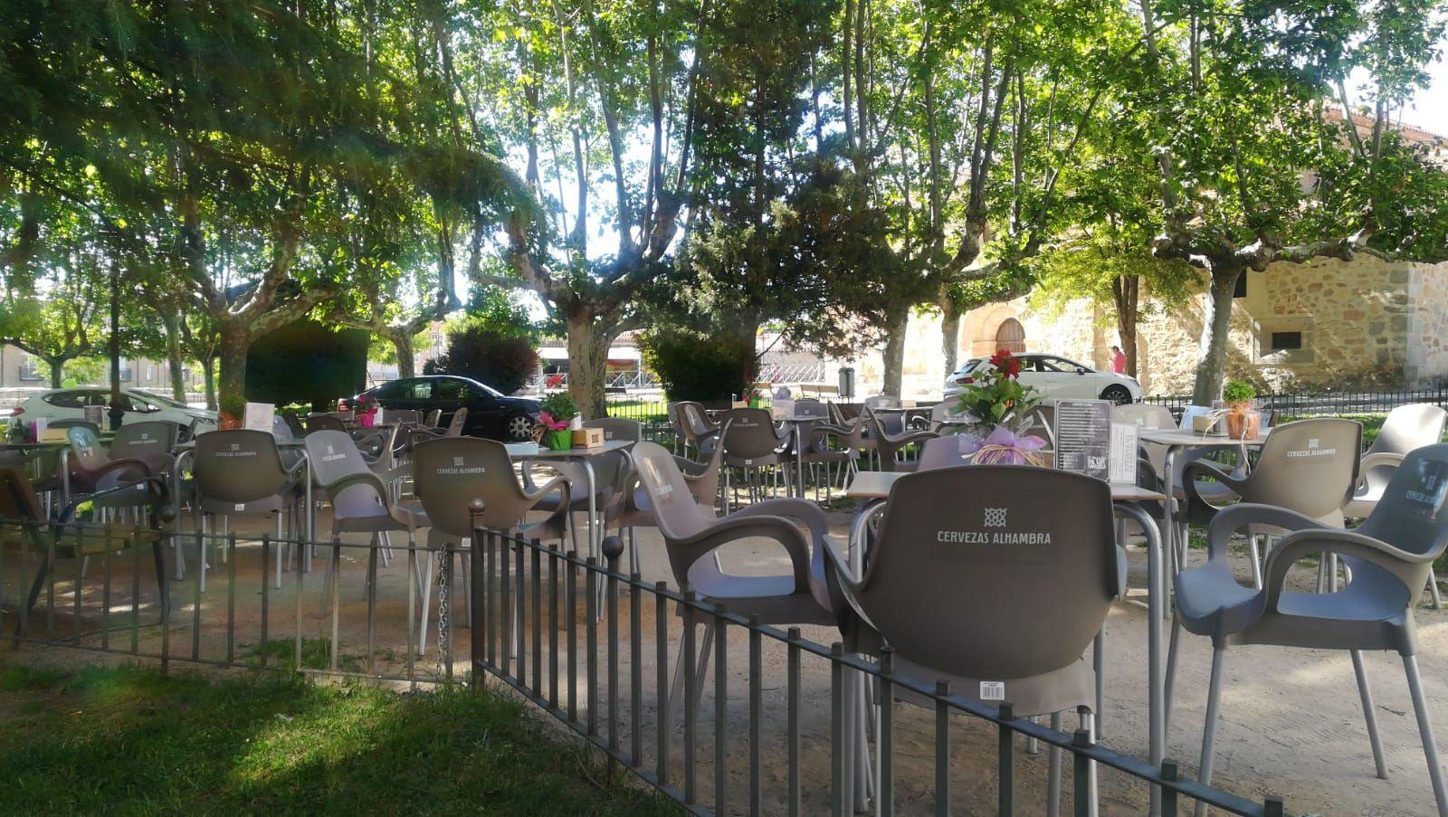 Bar de tapas y raciones con terraza en Ávila