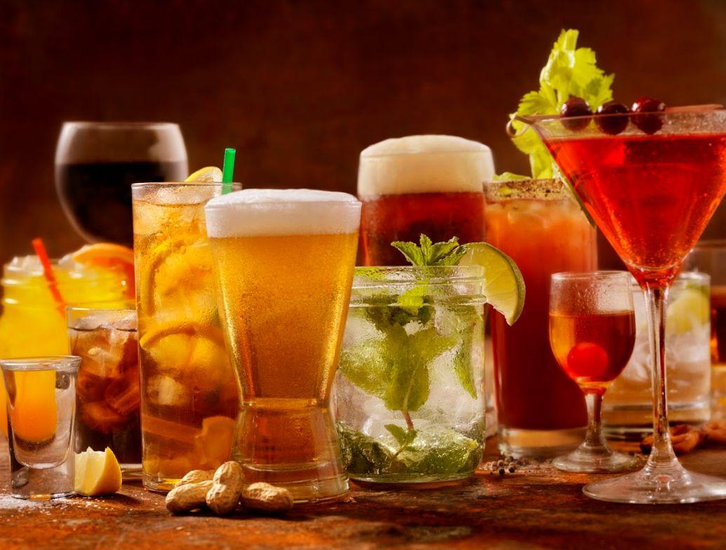 Bebidas: Aperitivos y tapas de El Mundo es un Pañuelo