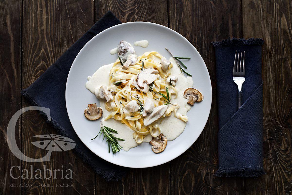 Ven a Restaurante Calabria y disfruta comiendo