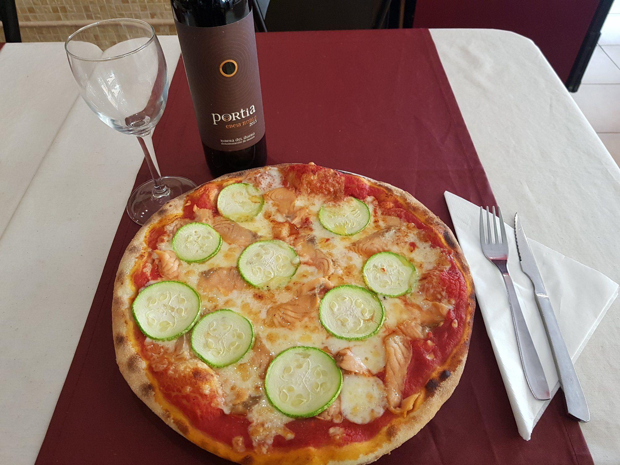 Prueba nuestra pizza mediterránea