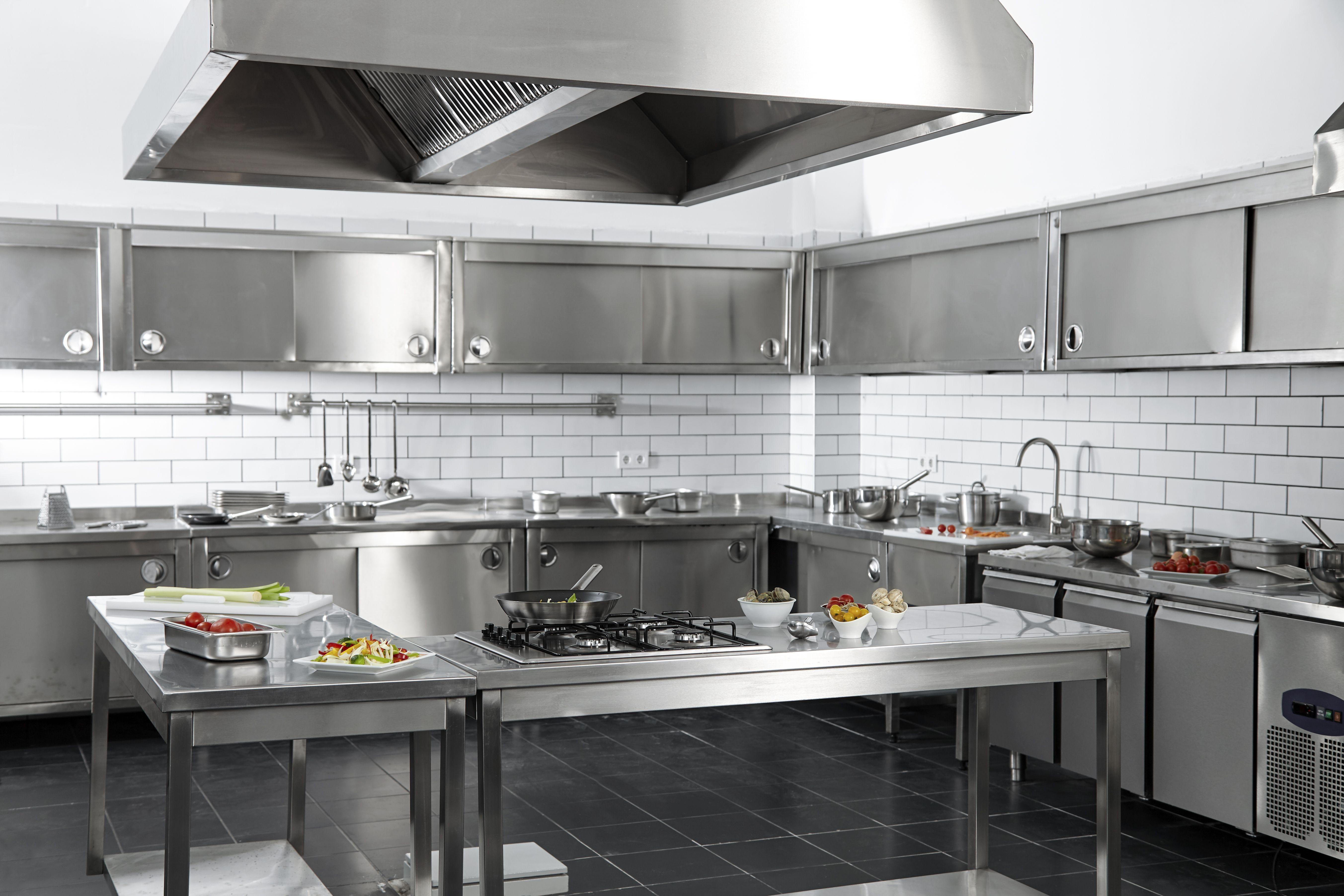 Limpieza de campanas de cocinas industriales en Tarragona