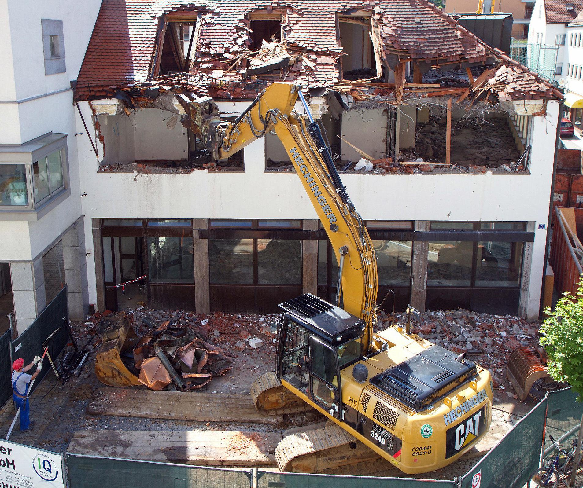 Enderrocs SBD, especialistas en demoliciones