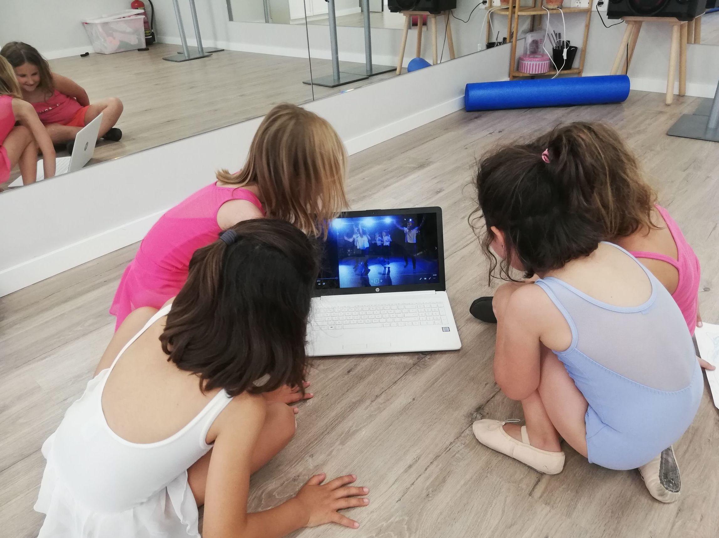 Foto 26 de Academias de danza en    Arima Dantza Eskola