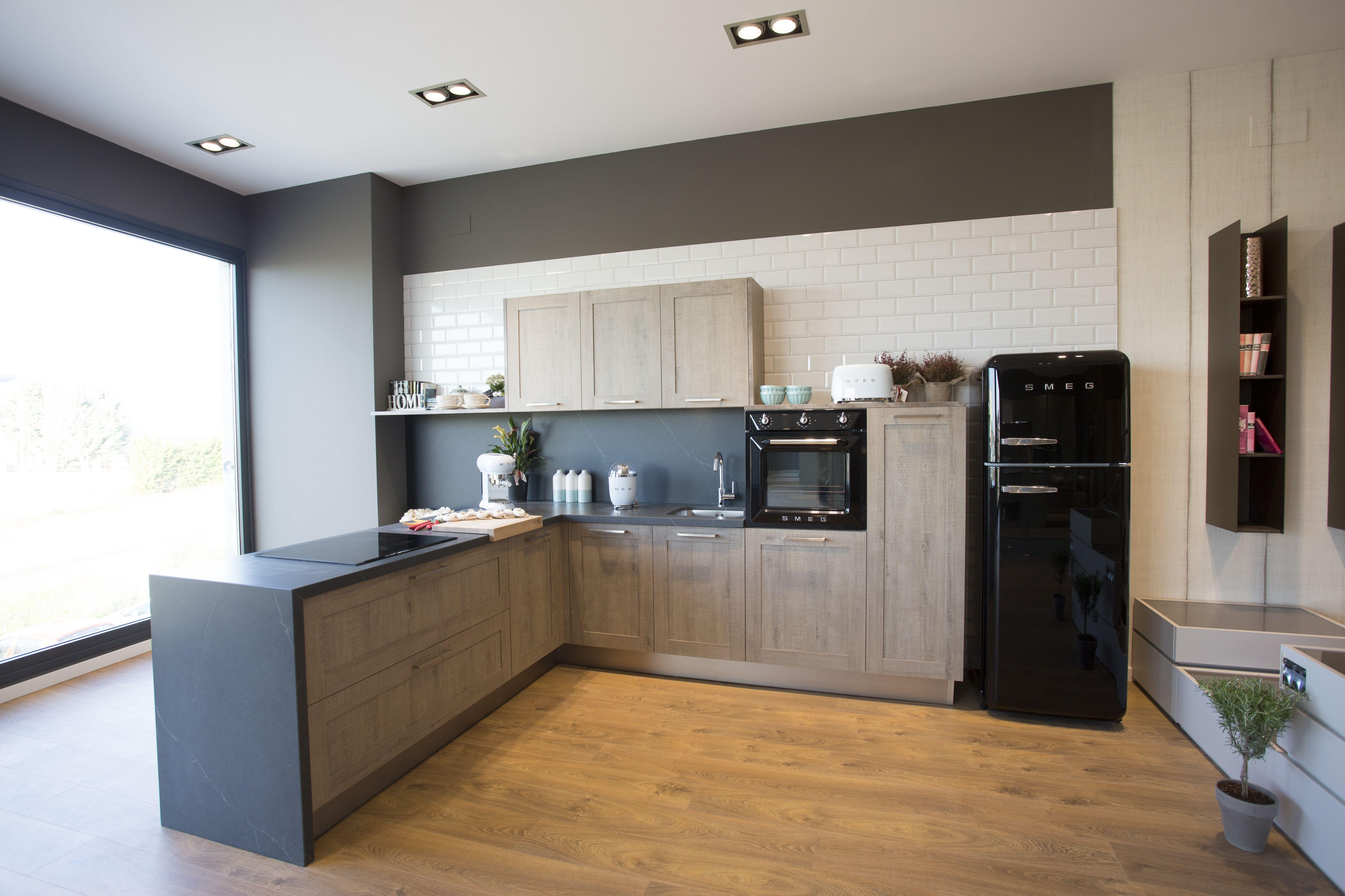 Foto 2 de Muebles de cocina en Arcahueja | DFC Mobiliario