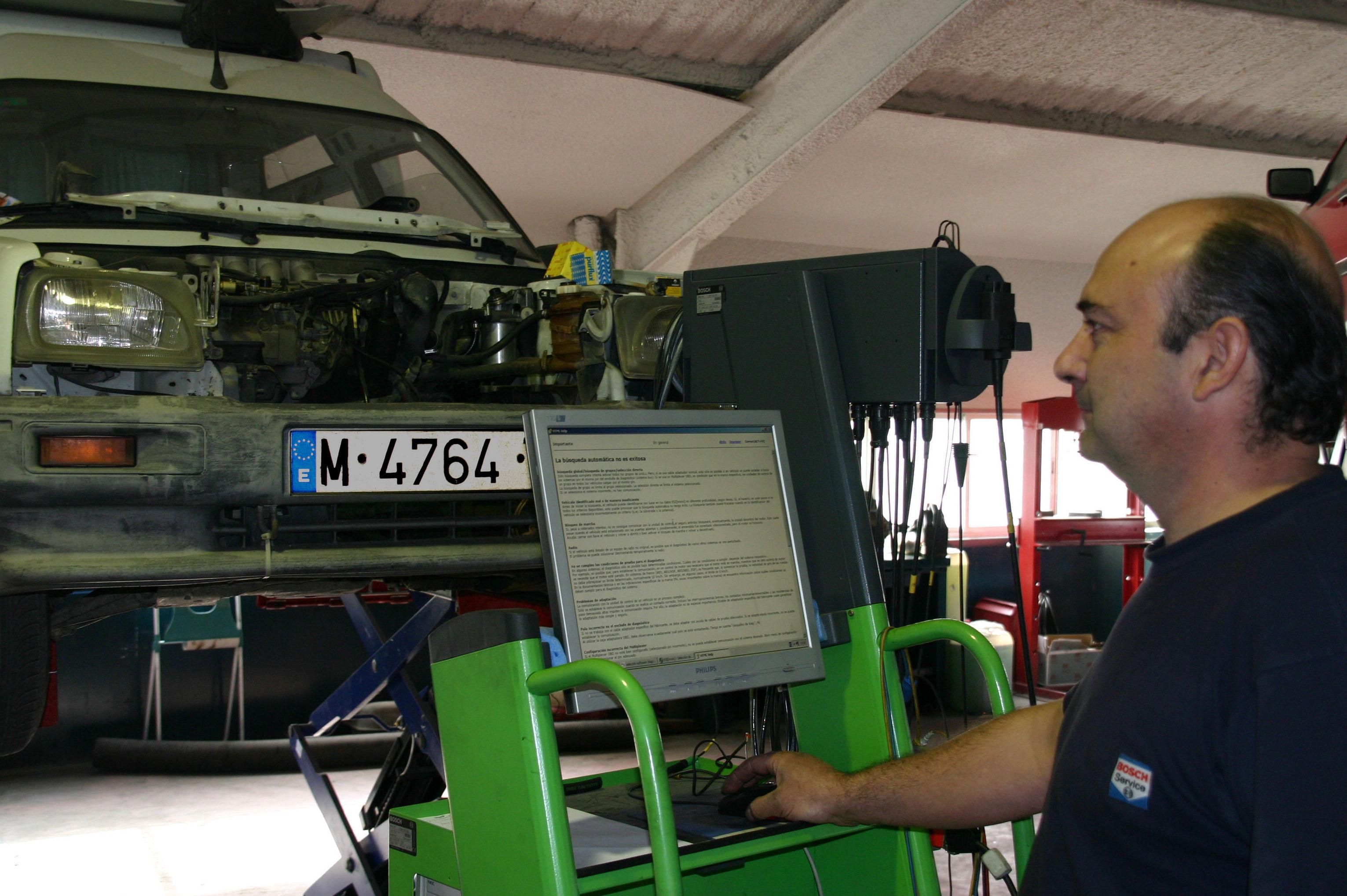 Foto 14 de Talleres de automóviles en Leganés | Diesel Prado Overa