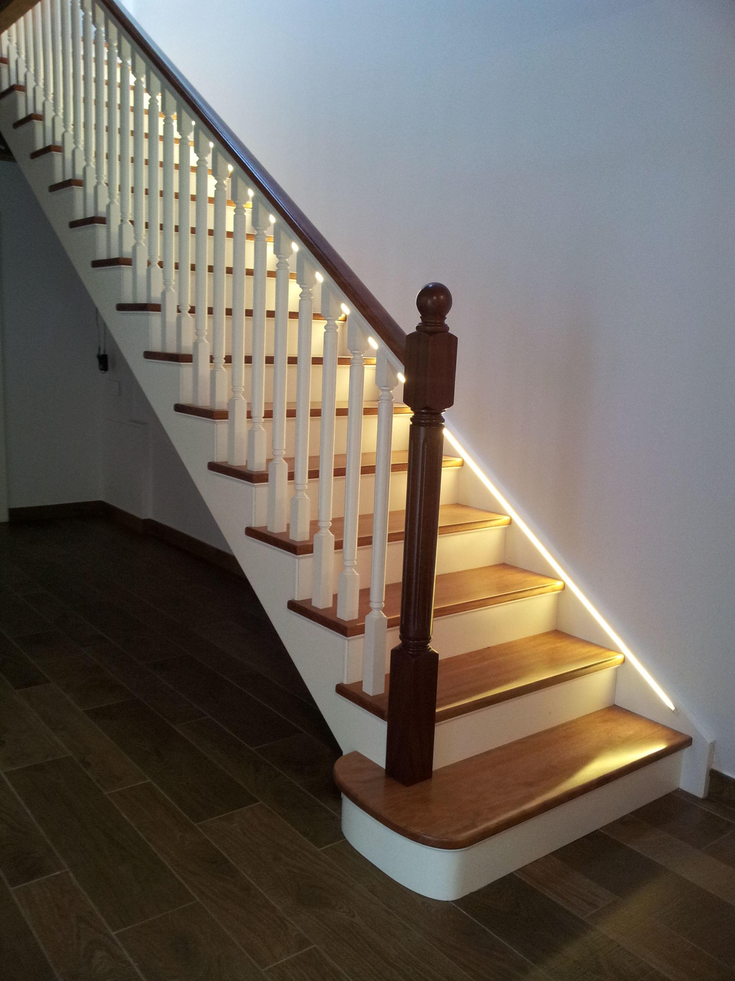 Foto 1 de Escaleras en  | CARPINTERIA MAZUSTEGUI S.L