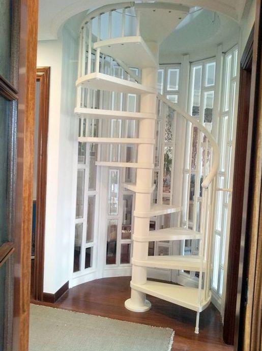 Foto 9 de Escaleras en  | CARPINTERIA MAZUSTEGUI S.L