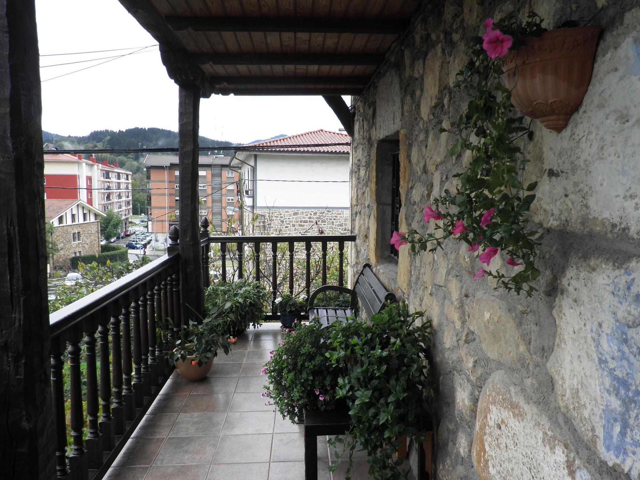 Foto 34 de Escaleras en  | CARPINTERIA MAZUSTEGUI S.L