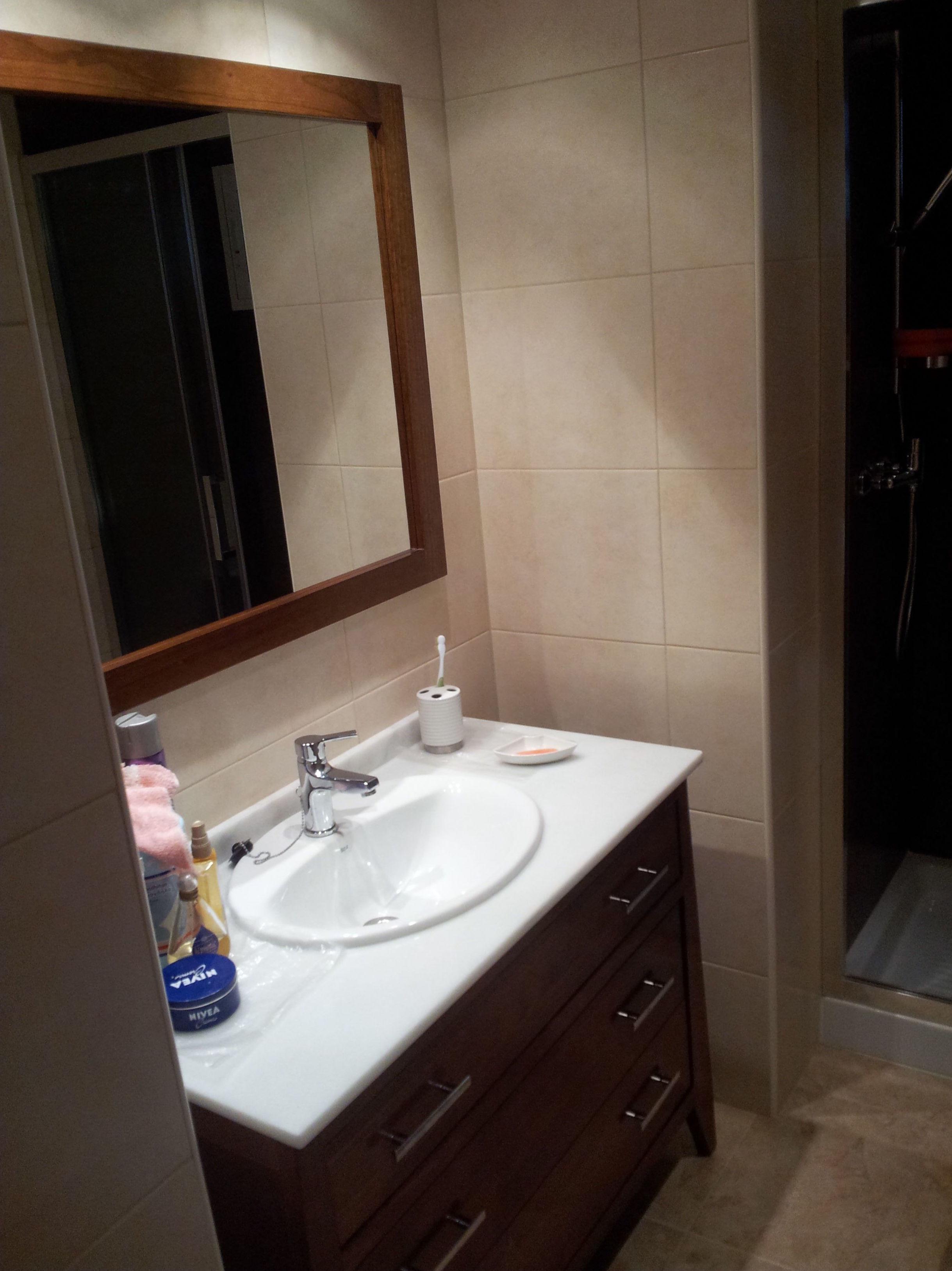 Montaje de muebles de baño