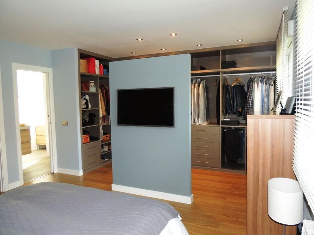 vestidor abierto en dormitorio - Dormitorio Con Vestidor