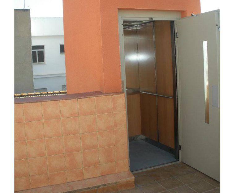 Especialistas en montaje de aparatos elevadores en Valencia