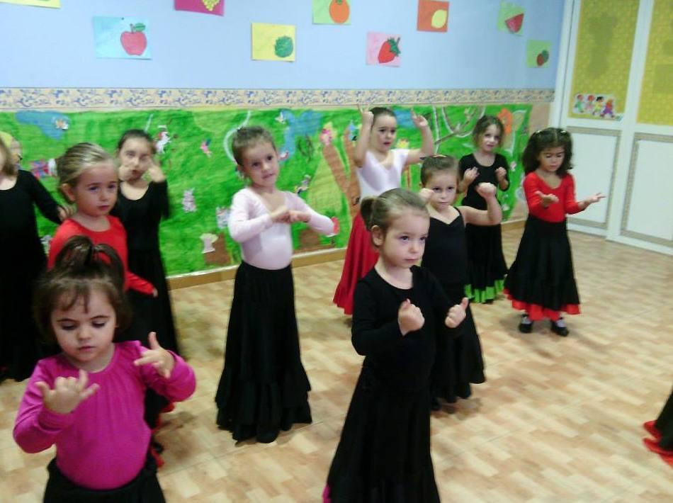 Escuela infantil con actividades diversas