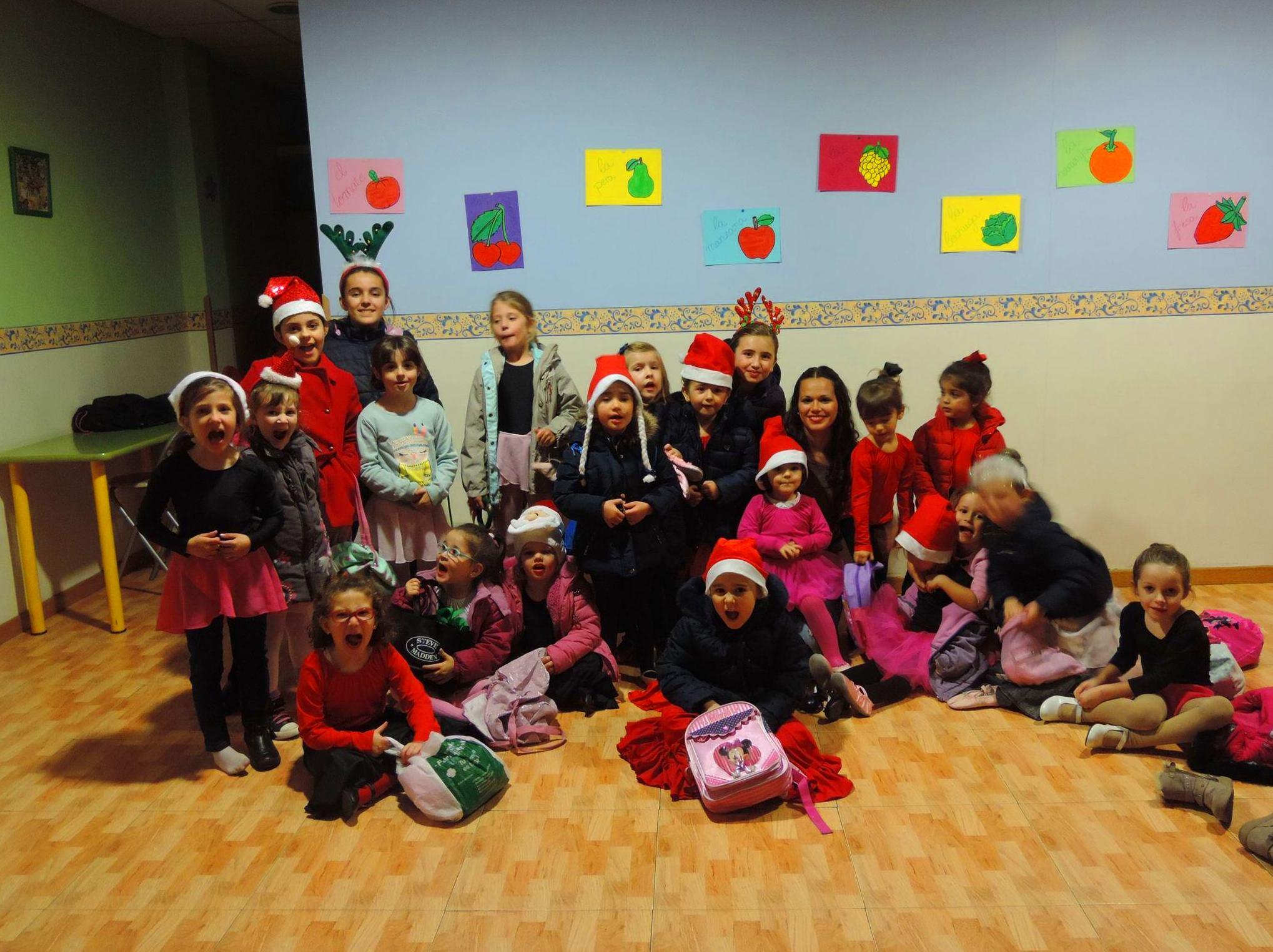 Grupo de baile escuela infantil Pequeñajos Valdemoro