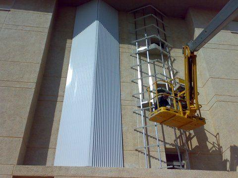 Foto 4 de Carpintería de aluminio en Torroella de Montgrí | Aluminis Jordi