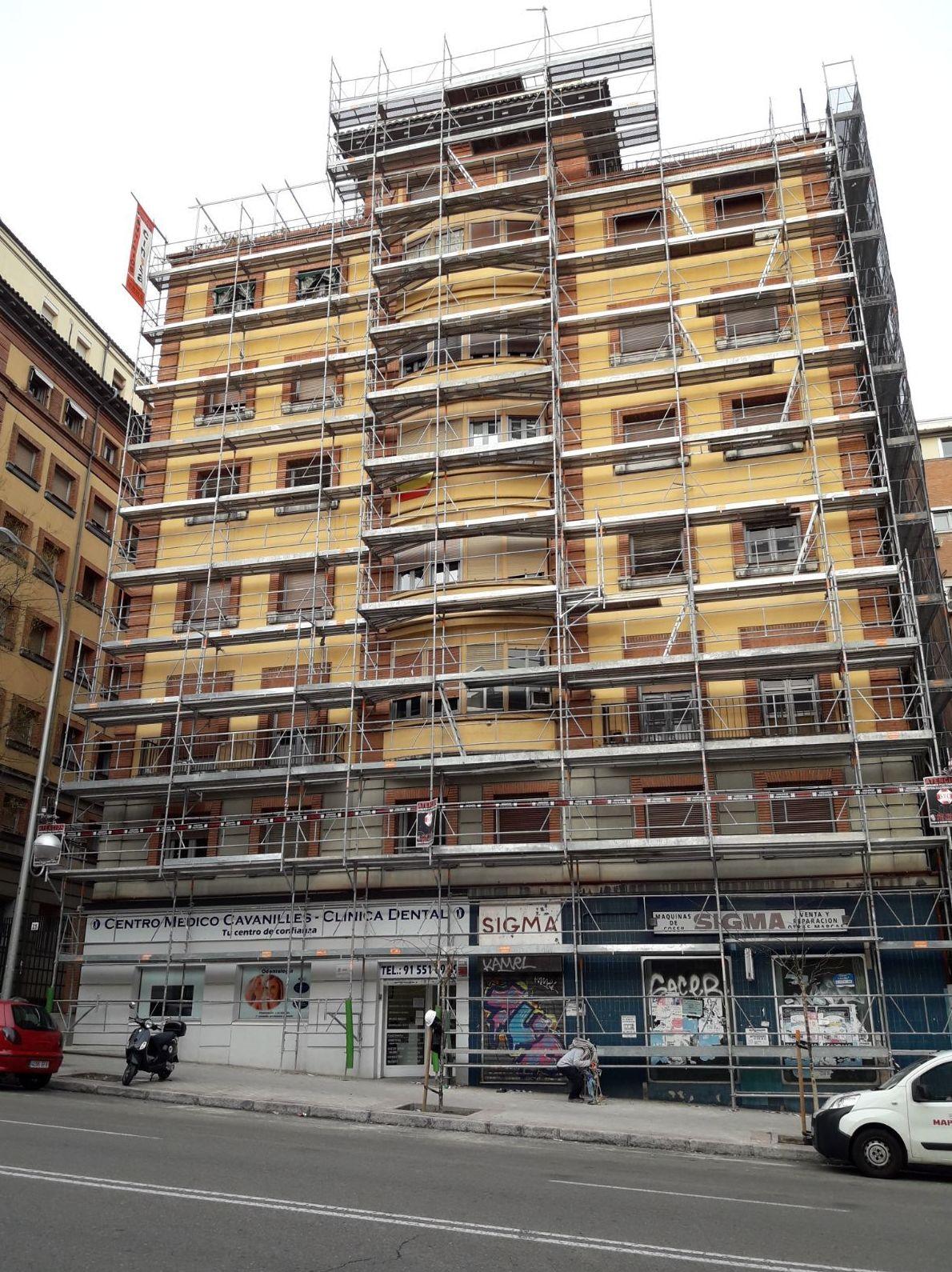Foto 1 de Alquiler y montaje de andamios en Getafe | Andamios Cinssa