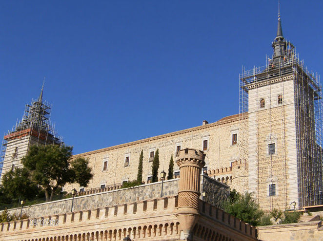 Instalación de andamio en Alcazar de Toledo