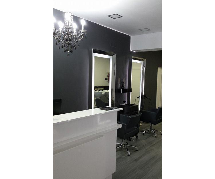 Interior de nuestra peluquería en Alameda de Osuna, Madrid