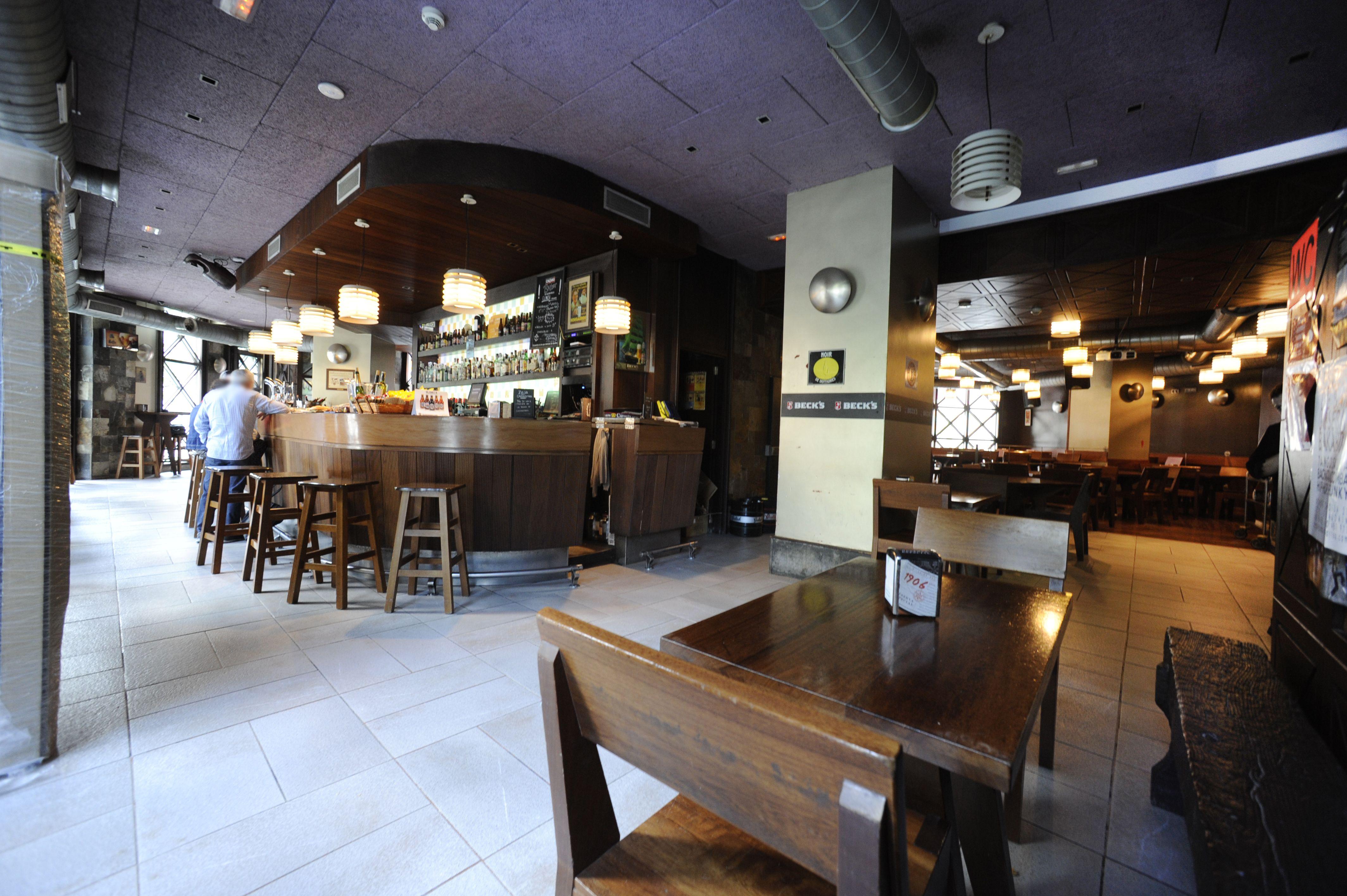 Interior Cervecería Gunea