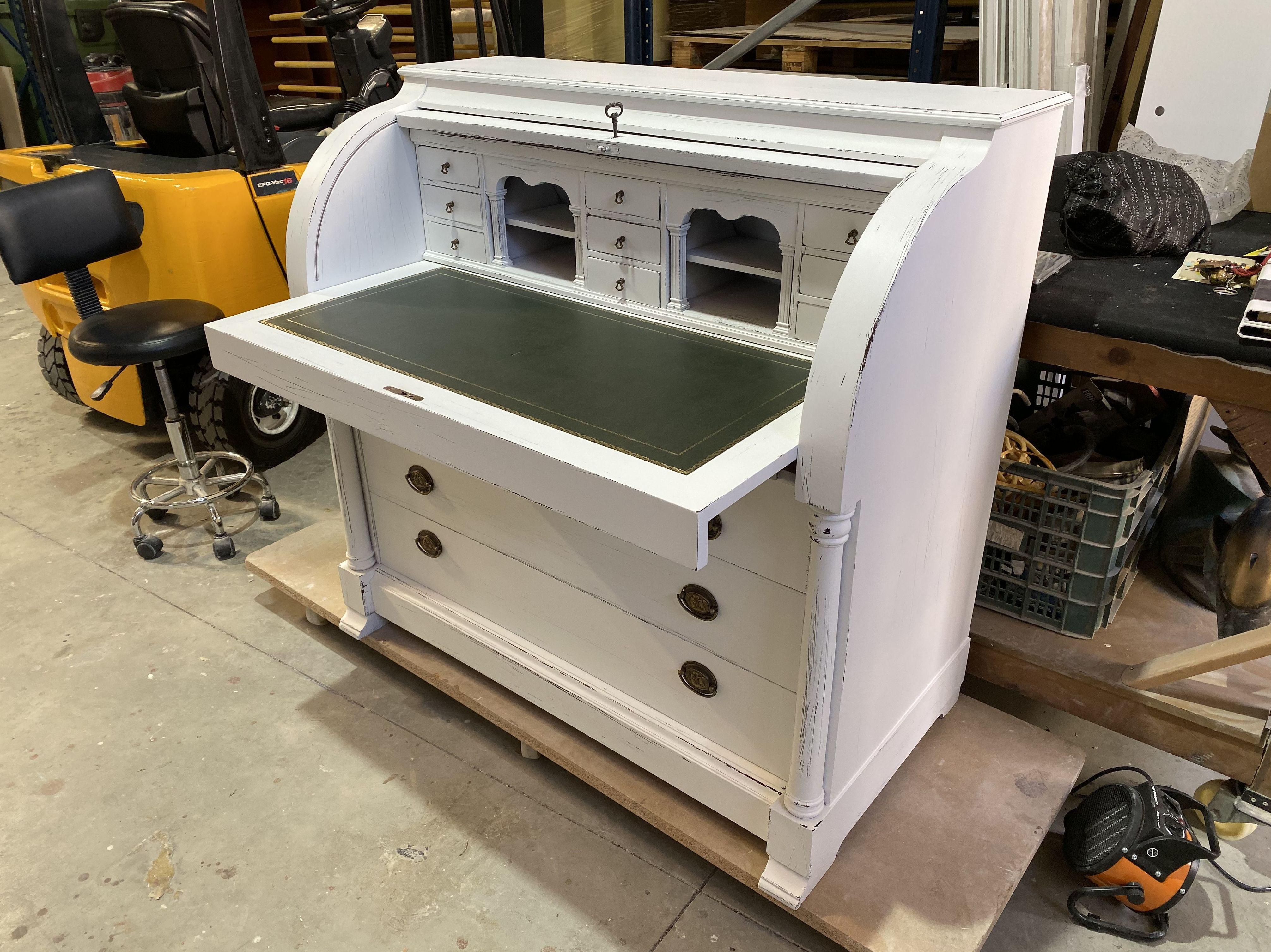 Foto 4 de Restauración de muebles en  | Lacabarniz