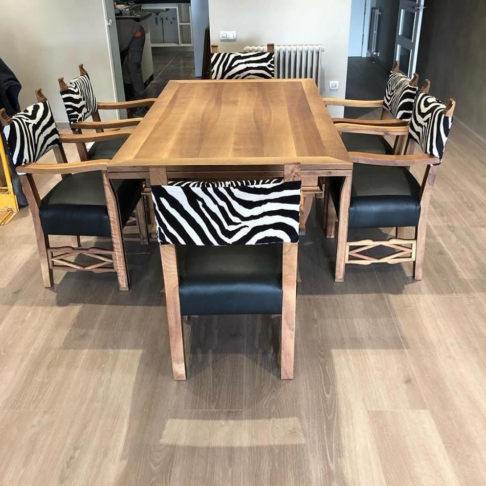 Restauración de mesa y sillas, barnizado mate, Terrassa