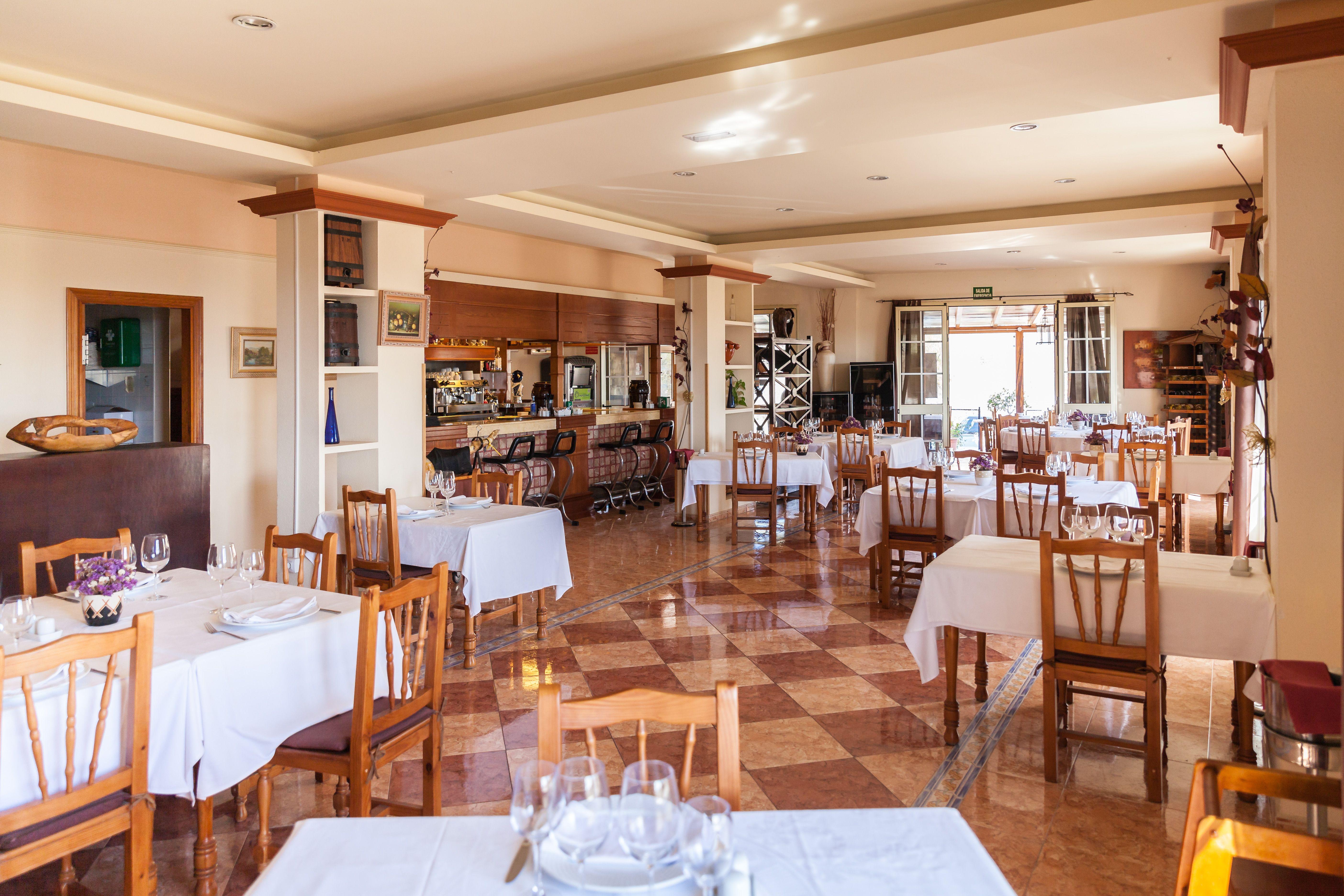Foto 9 de Especialidad en carnes y pescados en La Camella | Verna's Restaurante