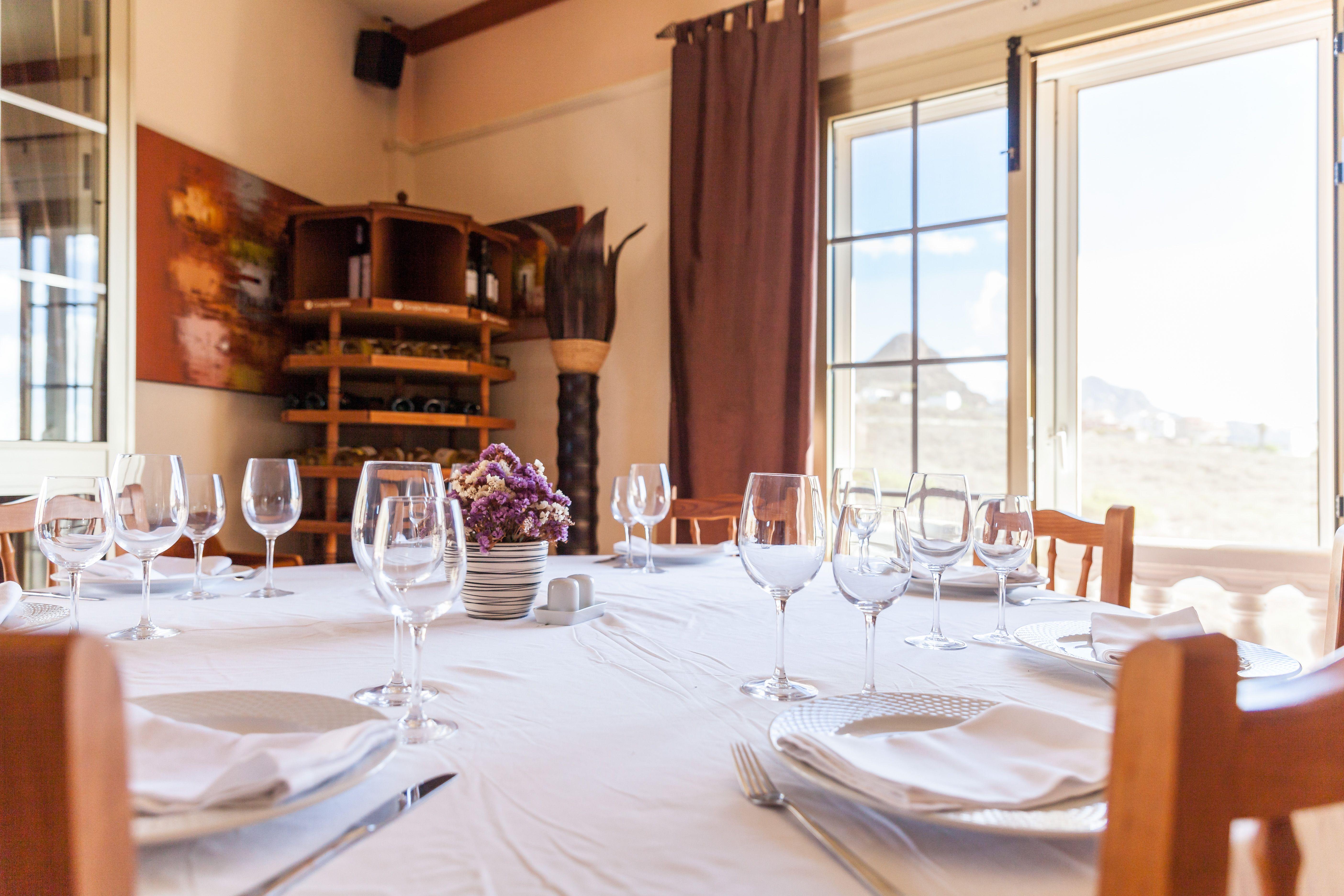 Foto 12 de Especialidad en carnes y pescados en La Camella | Verna's Restaurante