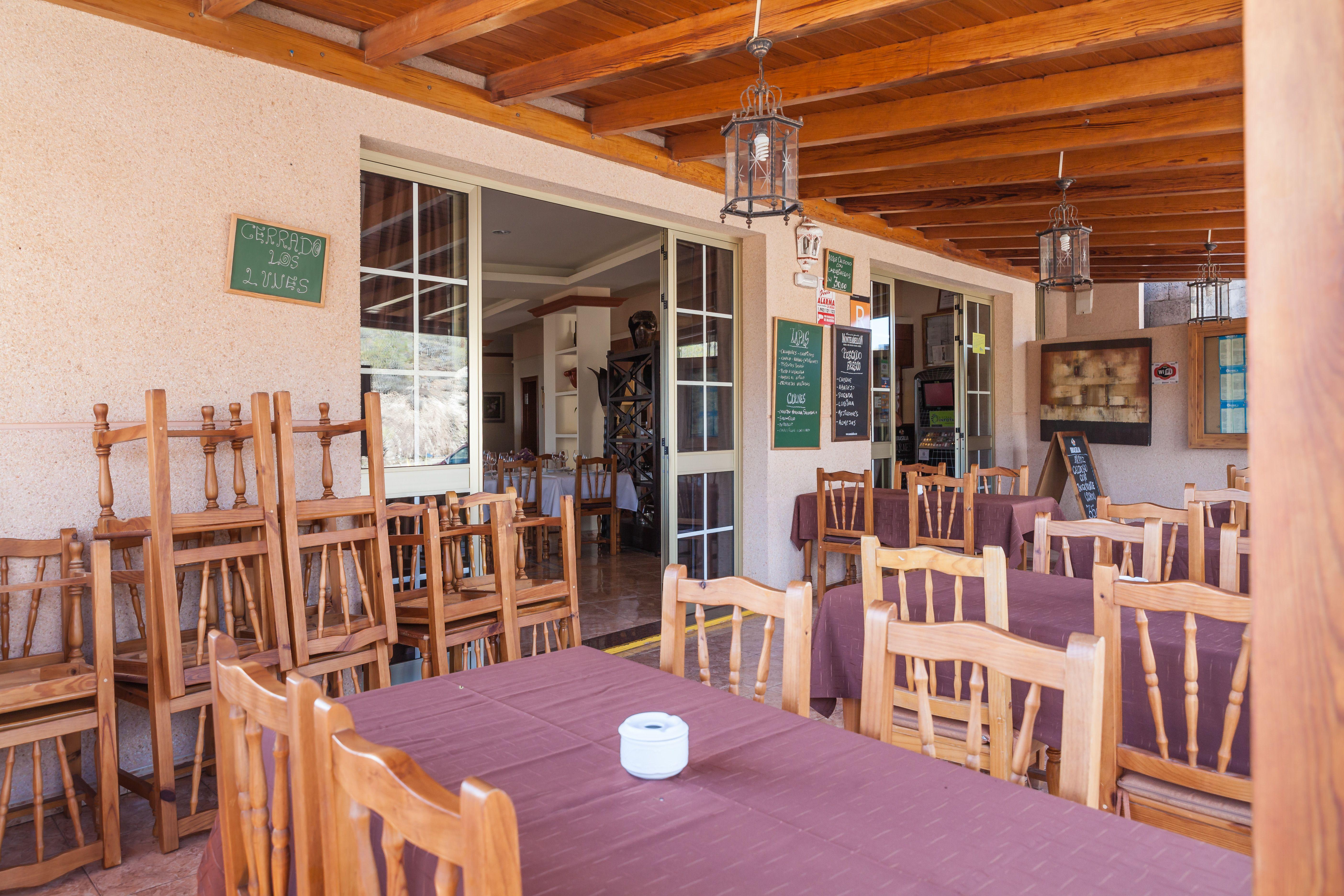Foto 2 de Especialidad en carnes y pescados en La Camella | Verna's Restaurante