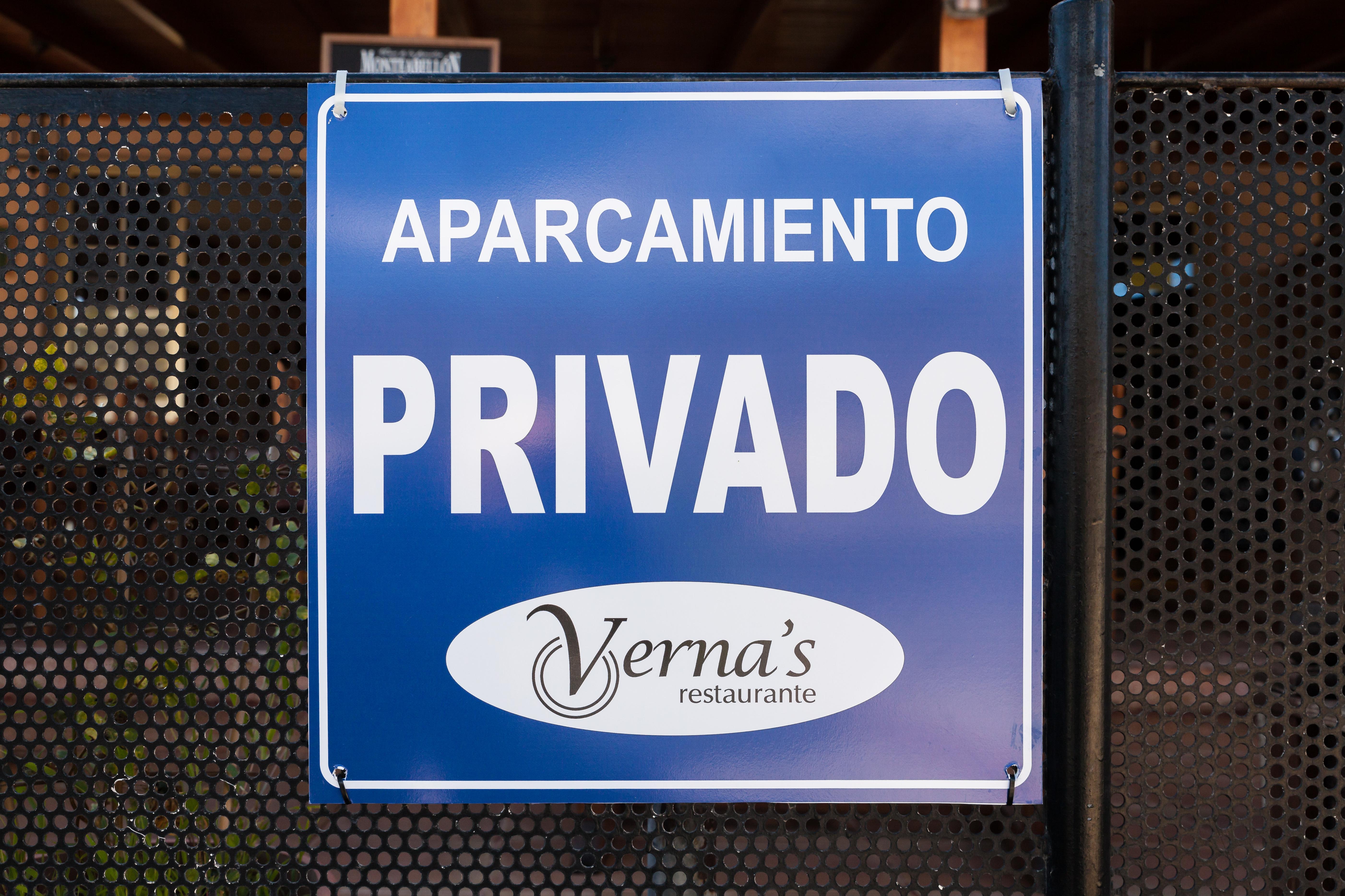 Foto 7 de Especialidad en carnes y pescados en La Camella | Verna's Restaurante