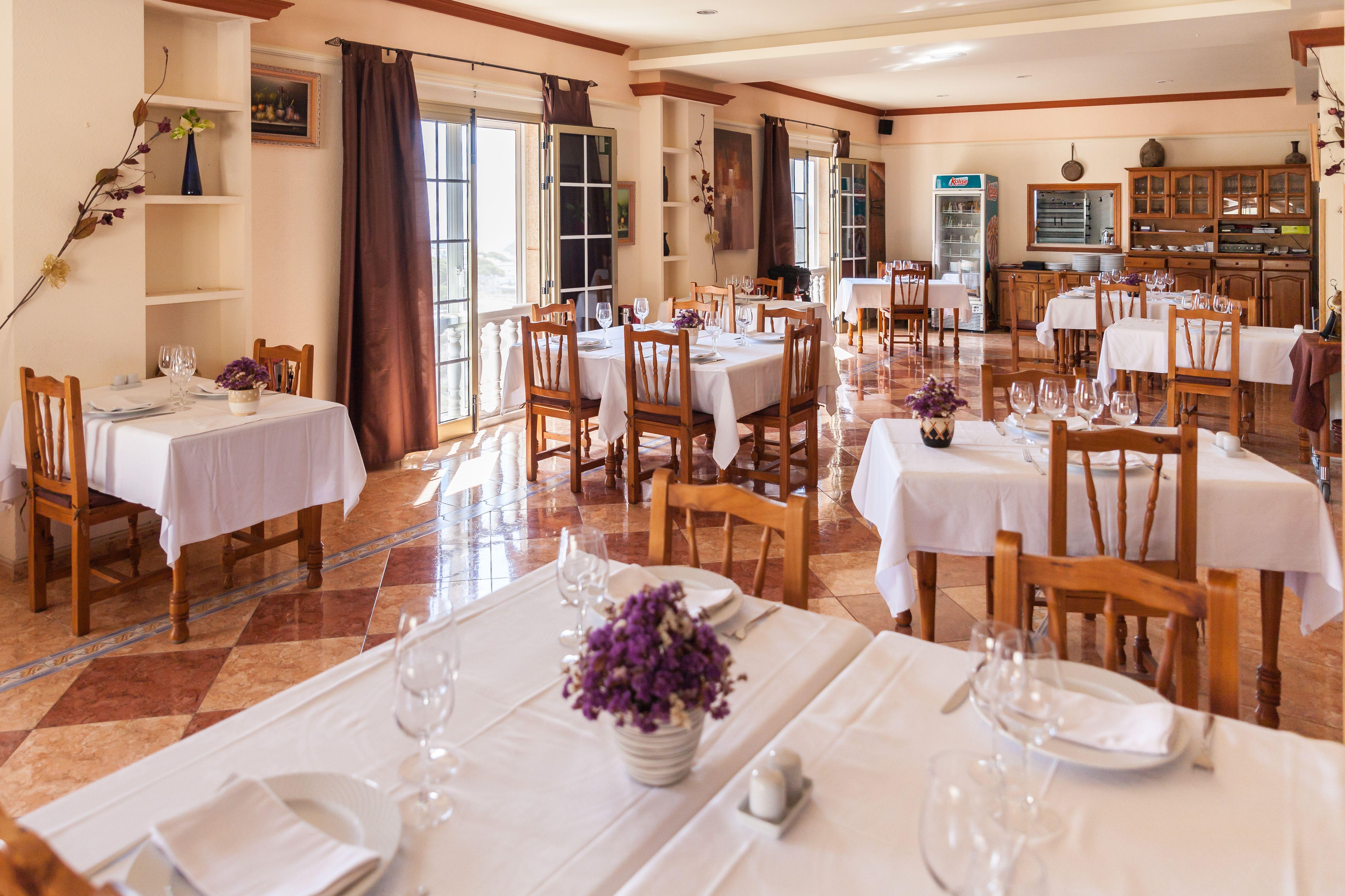 Foto 13 de Especialidad en carnes y pescados en La Camella | Verna's Restaurante