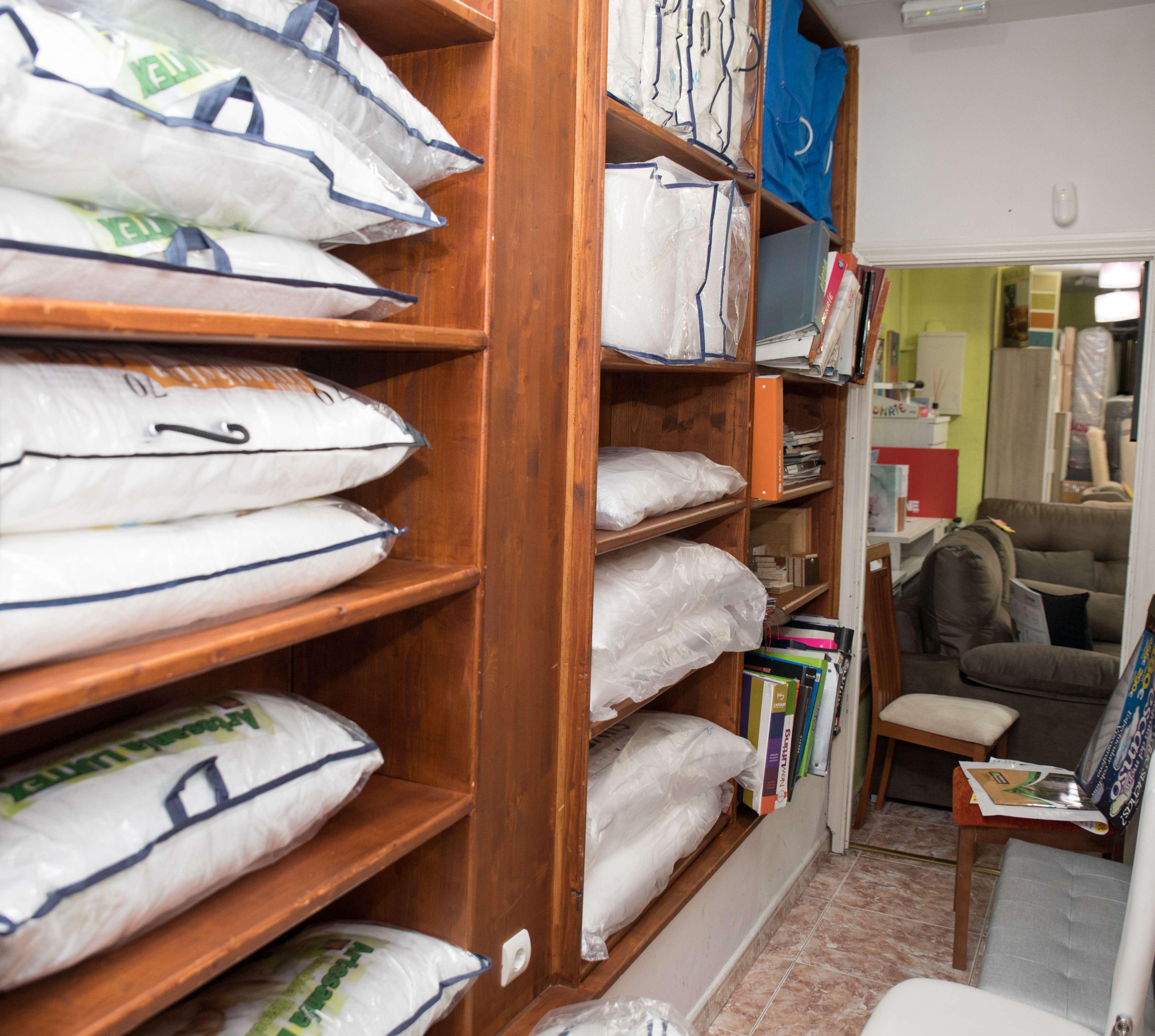 Amplio catálogo de accesorios para el descanso como almohadas