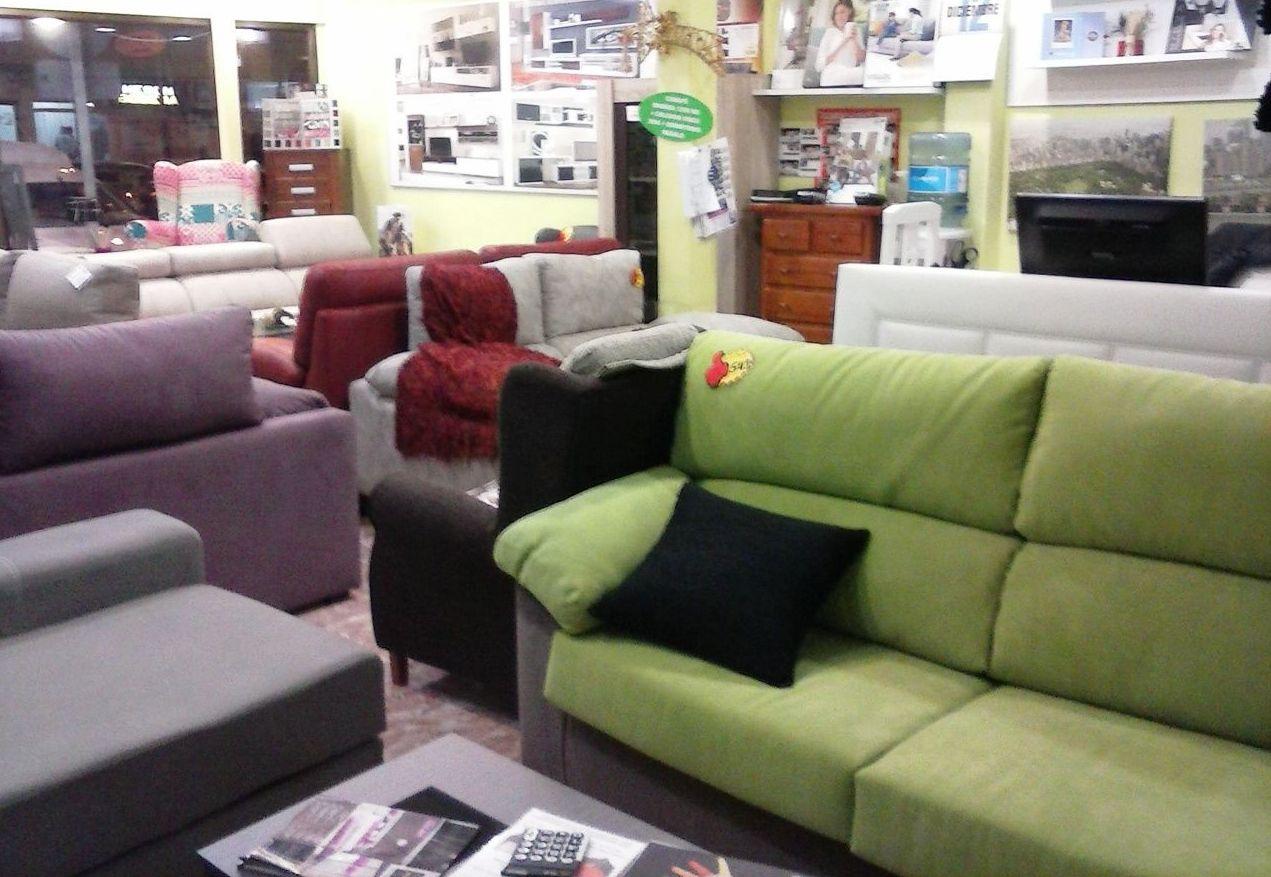 Te ofrecemos sofás, chaise longue, sofás... Todo para el salón