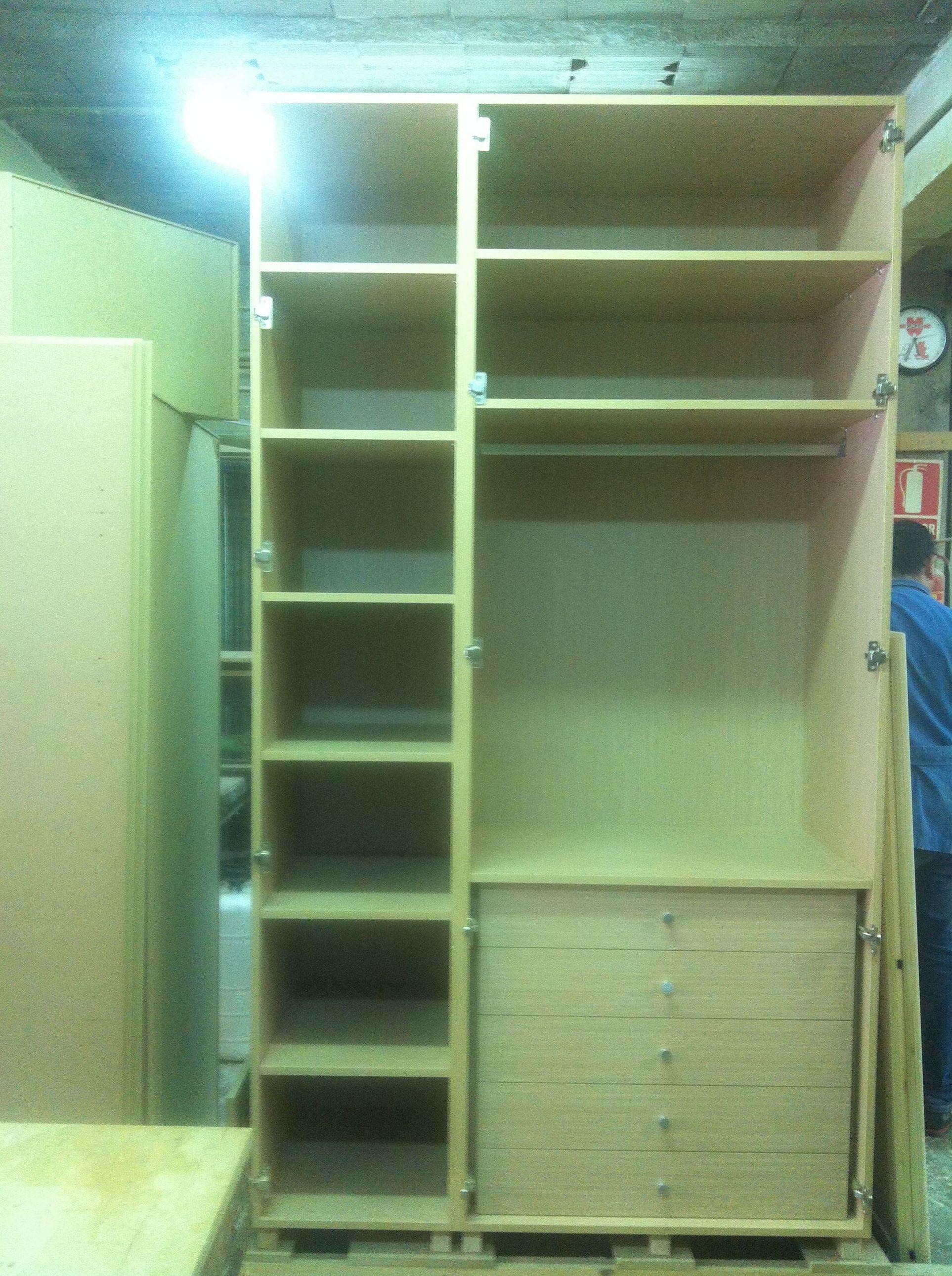 Armario dormitorio infantil en proceso.