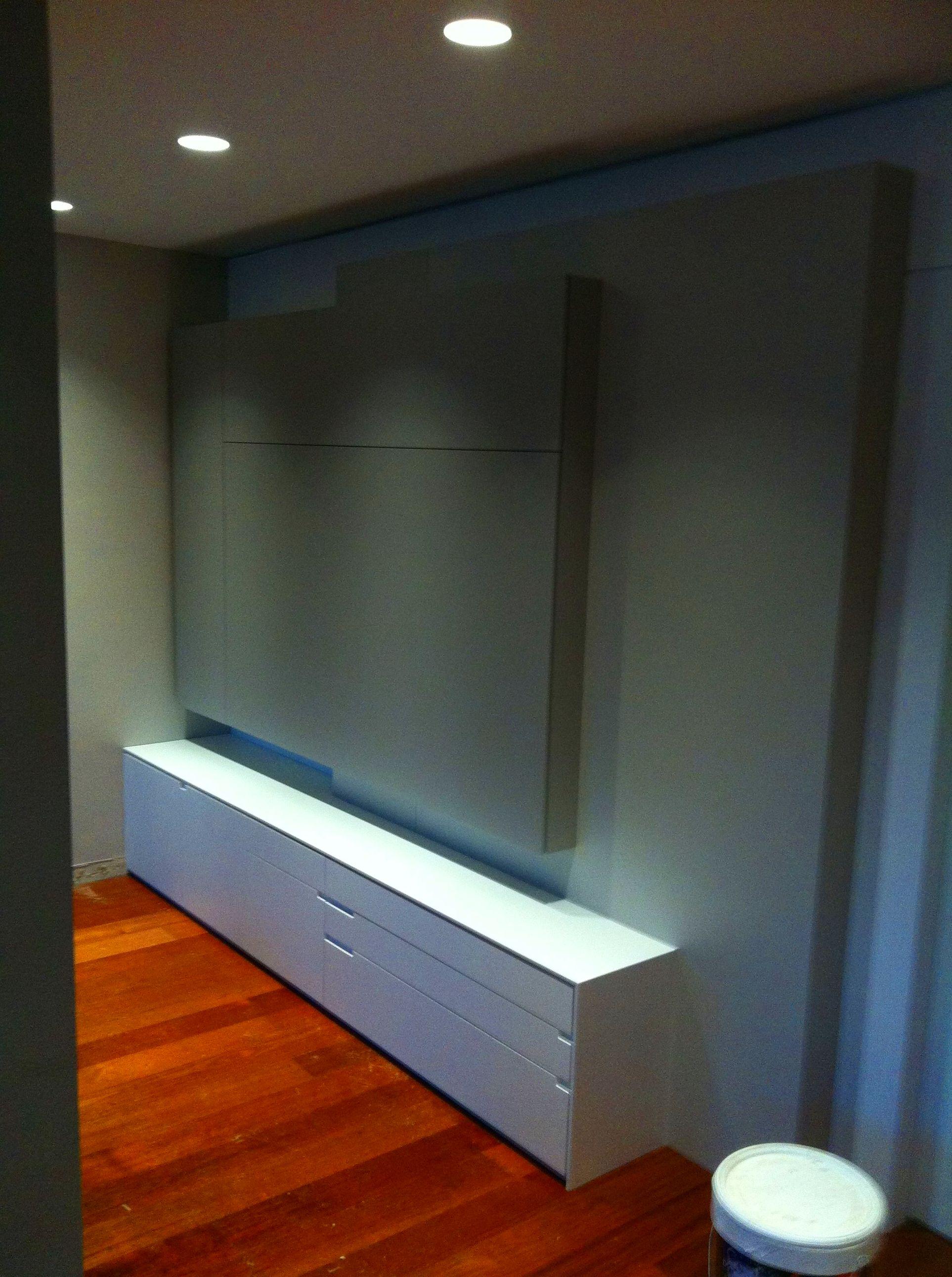 Mueble de comedor con dos tonos de laca.