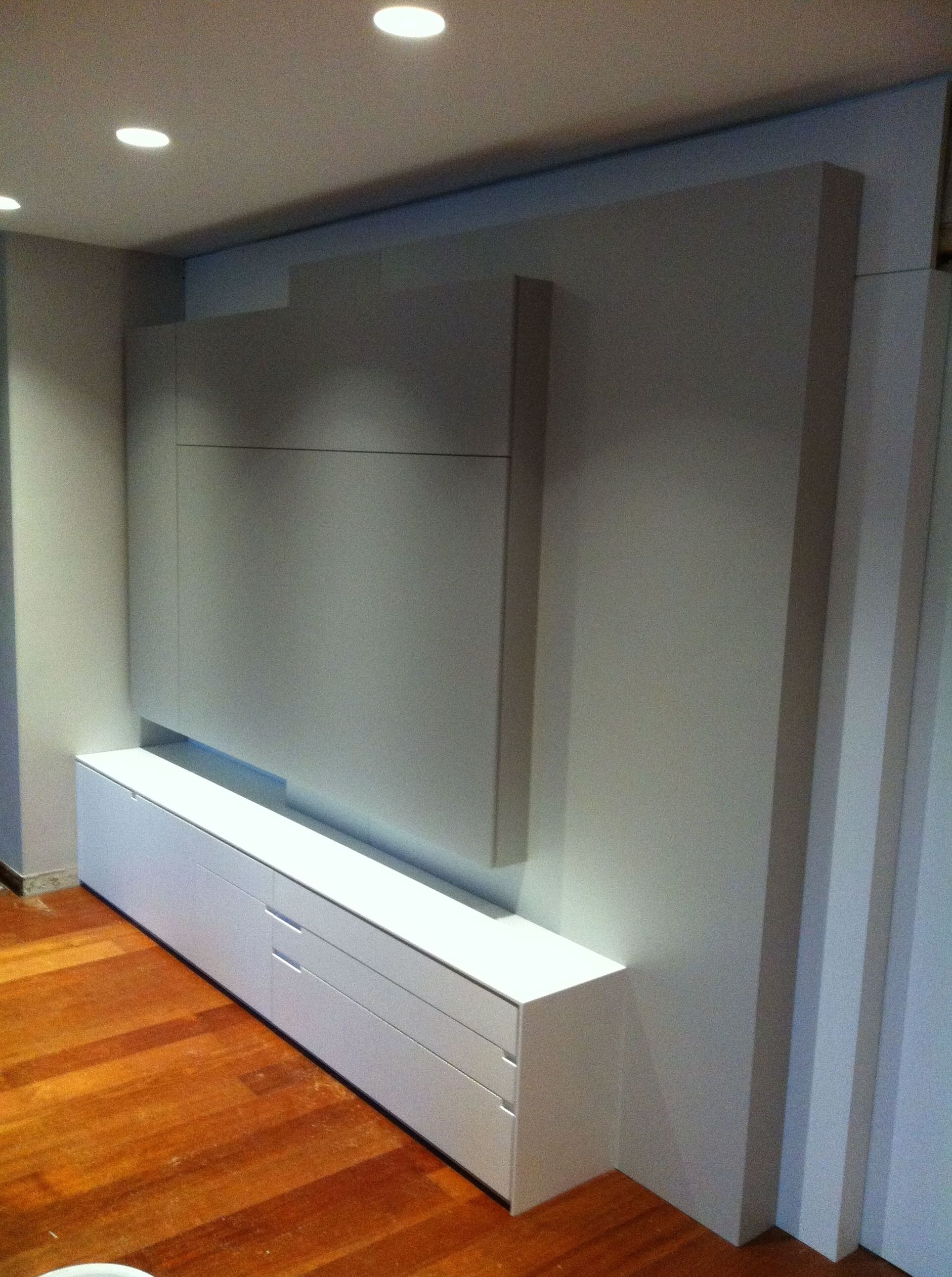 Mueble comedor lacado en dos colores