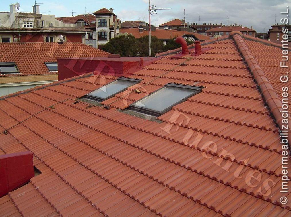 Colocación de claraboyas y Velux en cubiertas de tejado