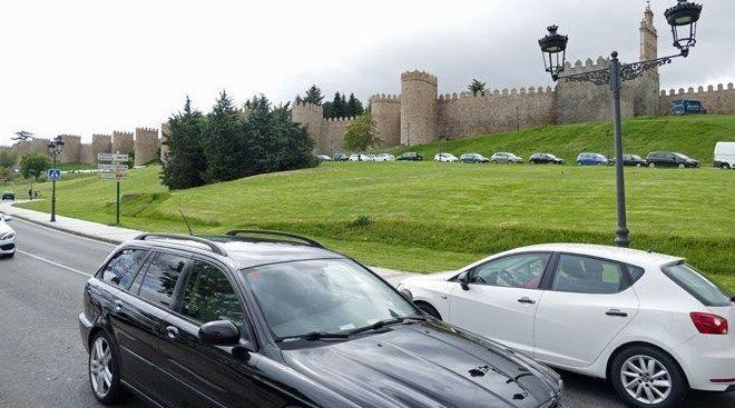 """El Ayuntamiento de Ávila ha autorizado a una empresa la elaboración de un """"estudio geotécnico y topográfico"""" junto al lienzo norte de la muralla para estudiar la posible """"viabilidad"""" de un aparcamiento subterráneo."""