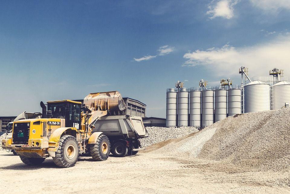 Transporte de material de construcción: Nuestros servicios de Transports i Excavacions Carbonell Gelabert