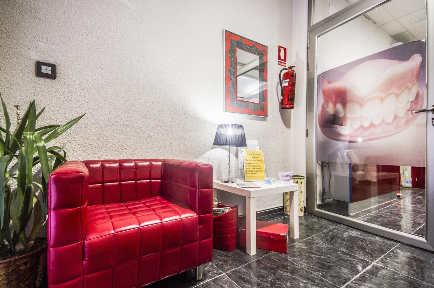Foto 9 de Consulta de prótesis dentales en Jaén | Dental Tucci