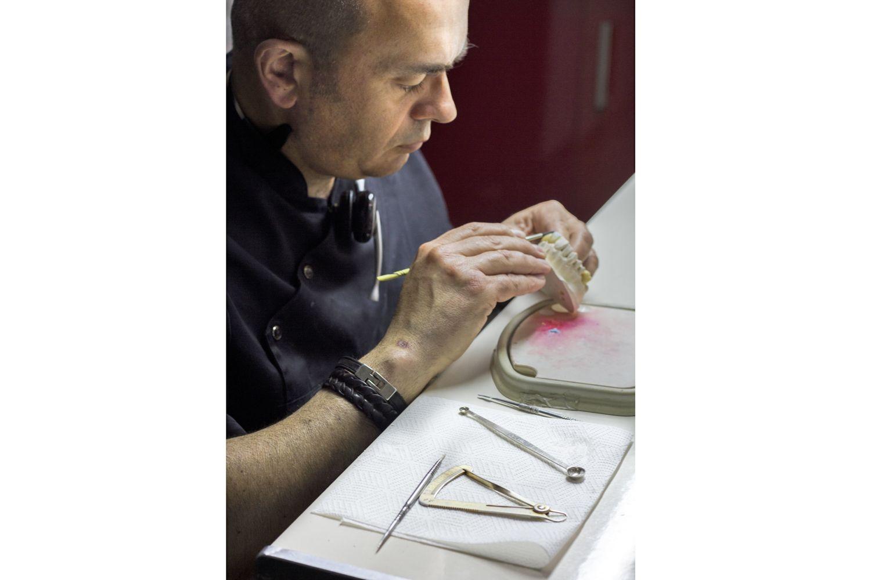 Protésicos dentales profesionales en Jaén
