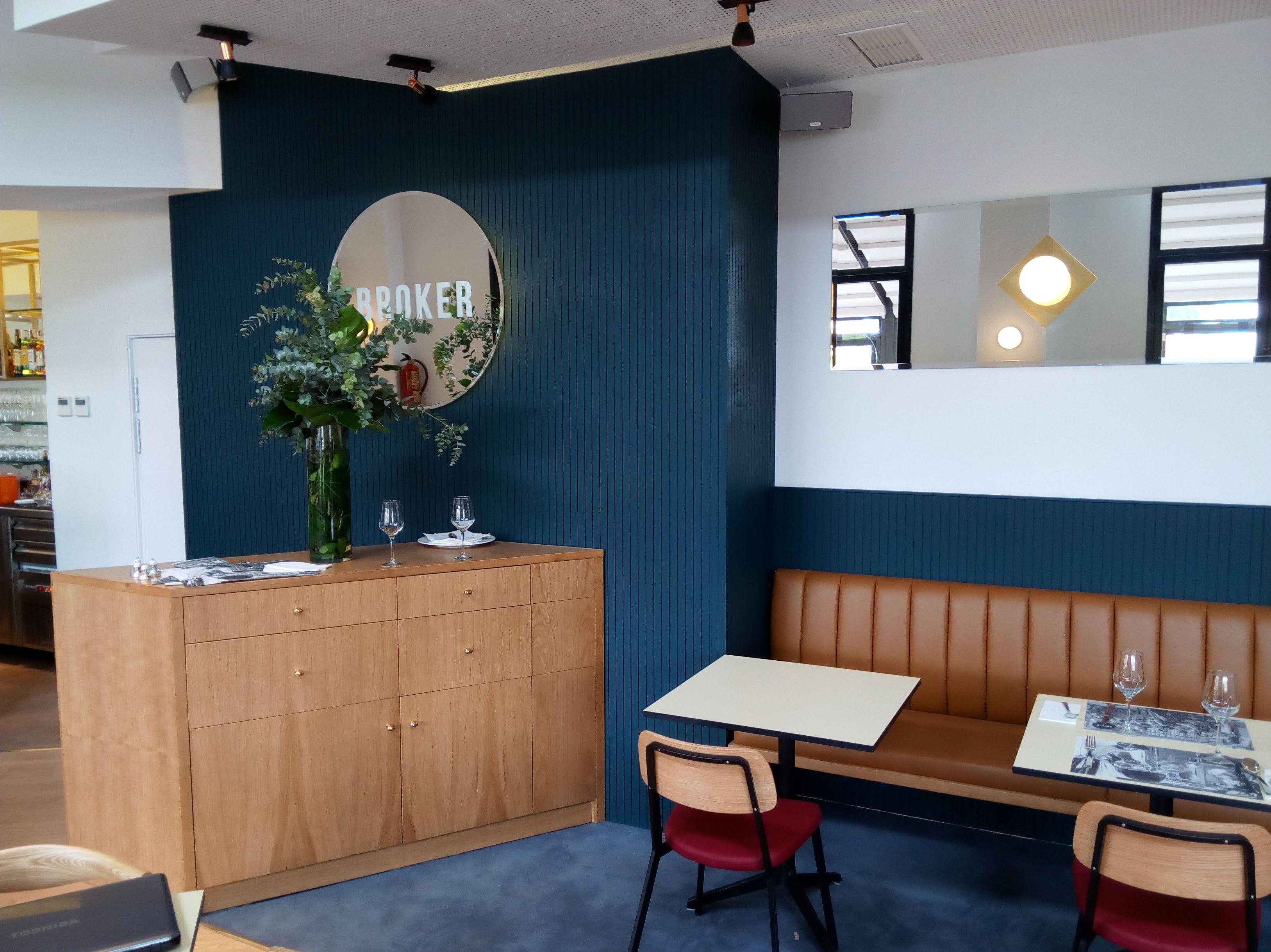 Decoración del interior de un restaurante