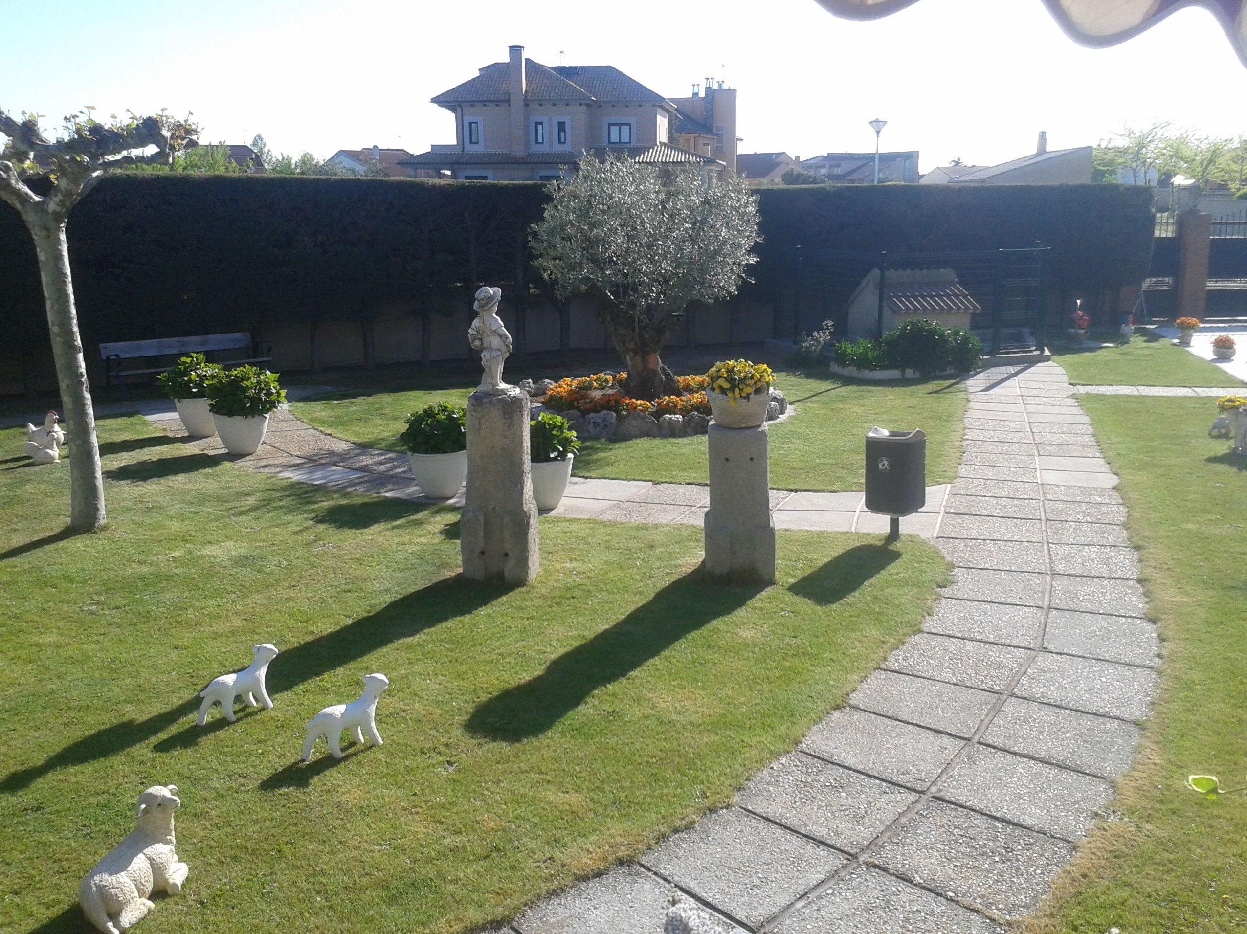 Foto 5 de Jardines (diseño y mantenimiento) en Corrales | Jardiner Zamora