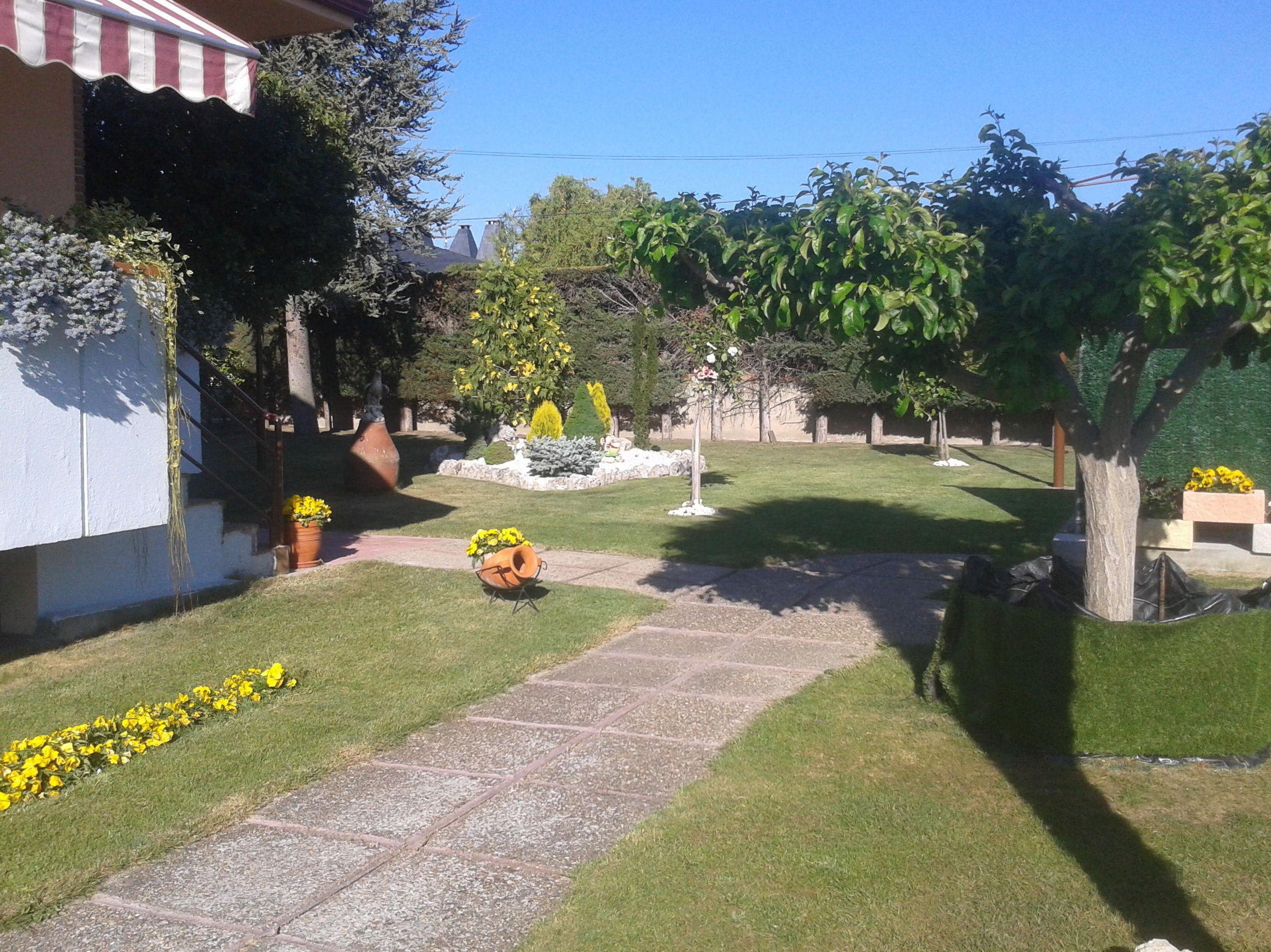 Foto 4 de Jardines (diseño y mantenimiento) en Corrales | Jardiner Zamora