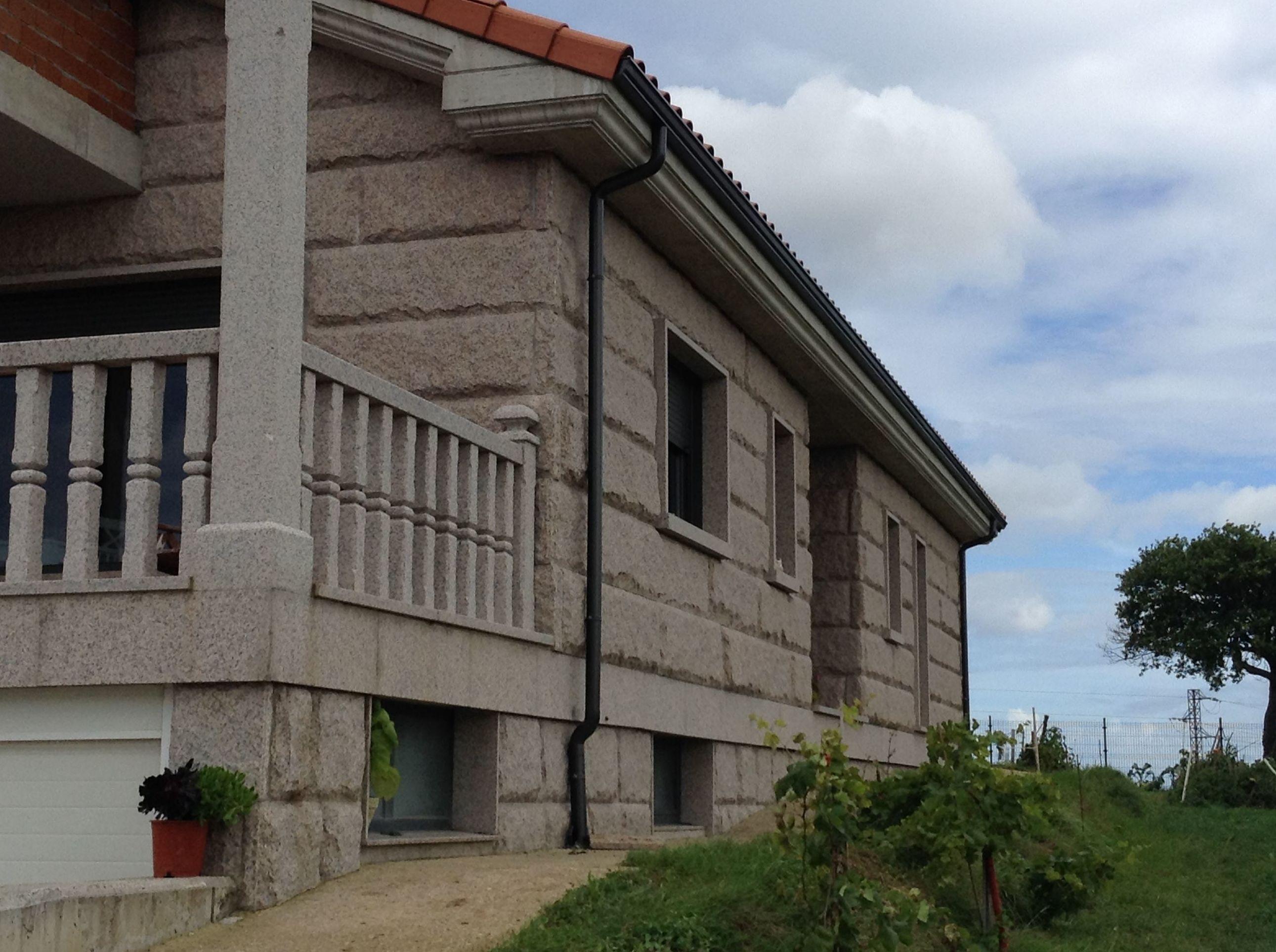 Foto 3 de Aluminio en Lugones | Canalones Elocas Asturias