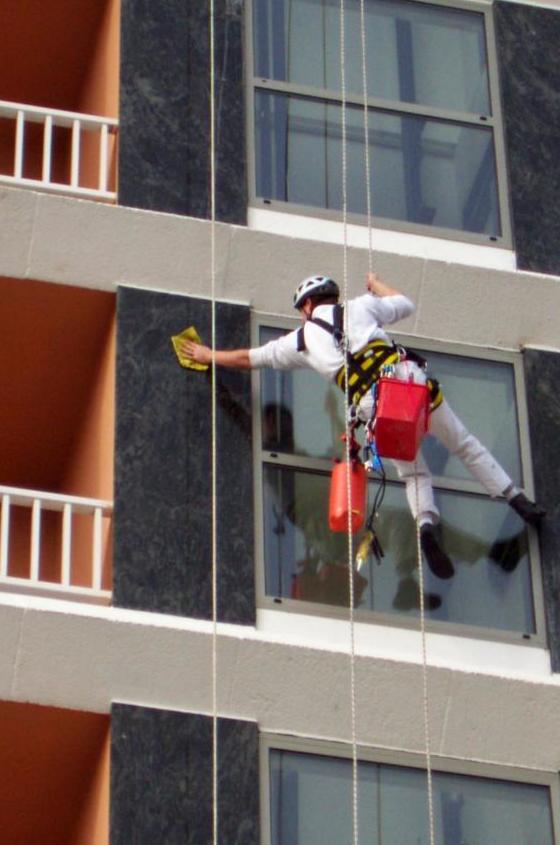 Limpieza fachada Hotel Goya Park en Roses
