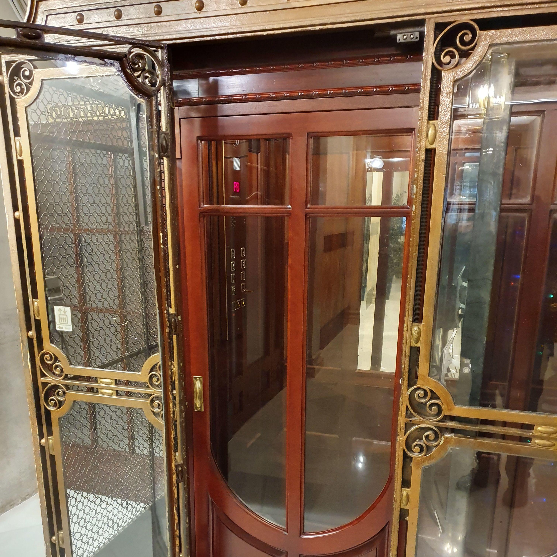 Restauración de ascensores en Barcelona. Restauracions Jordi Nóbrega