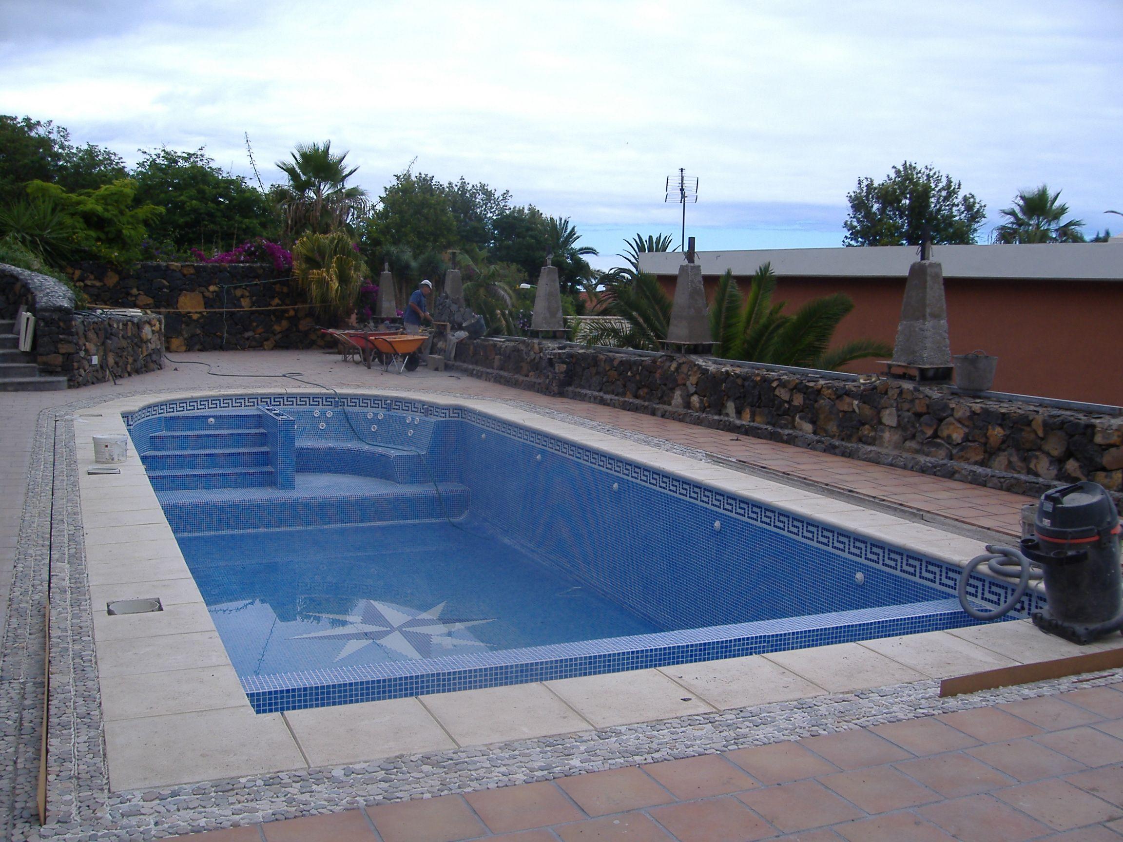 Construcción de piscinas en Tenerife