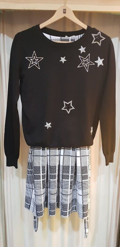 Conjunto sudadera de estrellas y falda de cuadros: Productos de Picnic Moda Urban